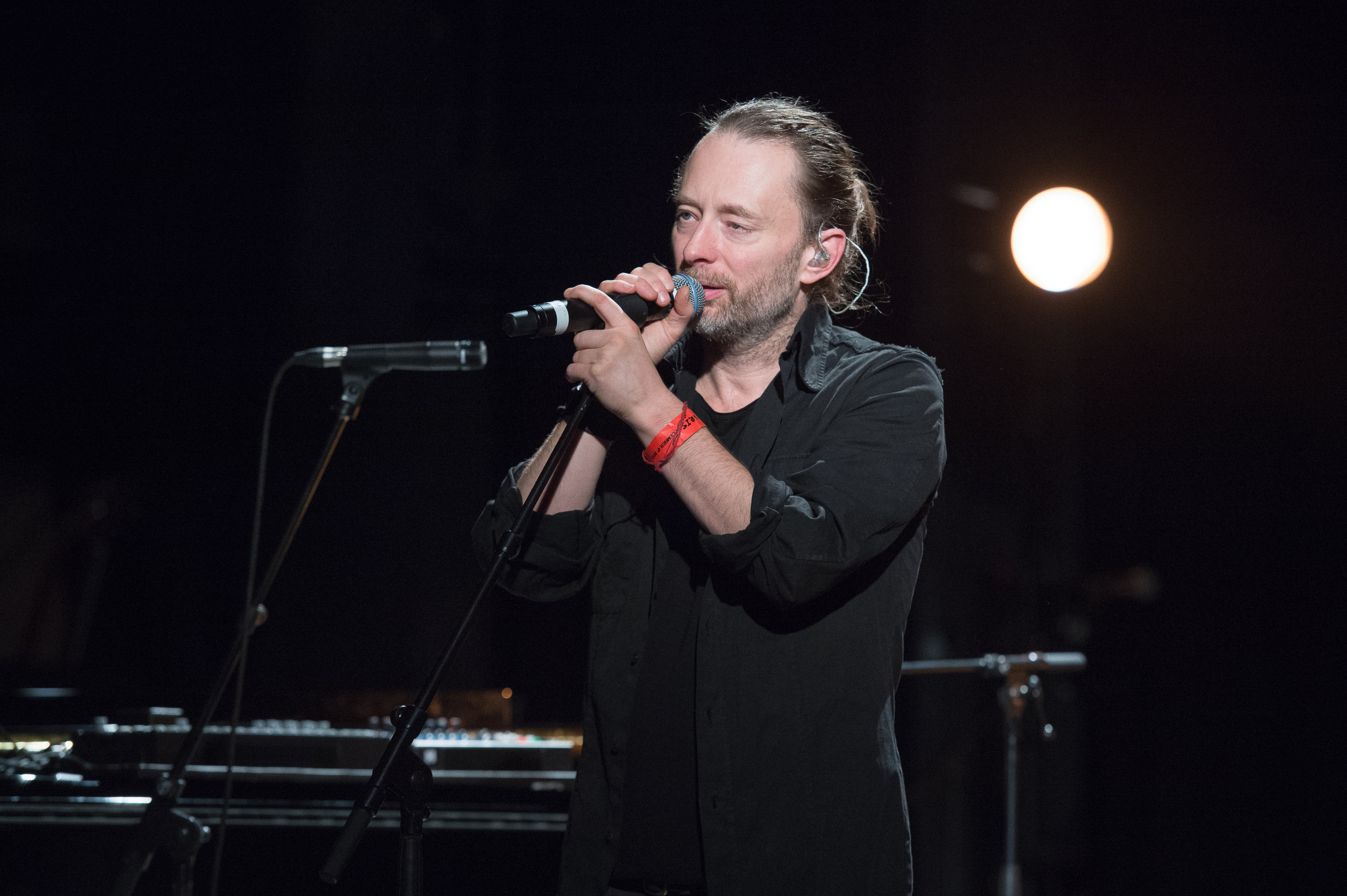 Thom Yorke performs during Pathway to Paris at Le Trianon on December 4, 2015 in Paris, France.