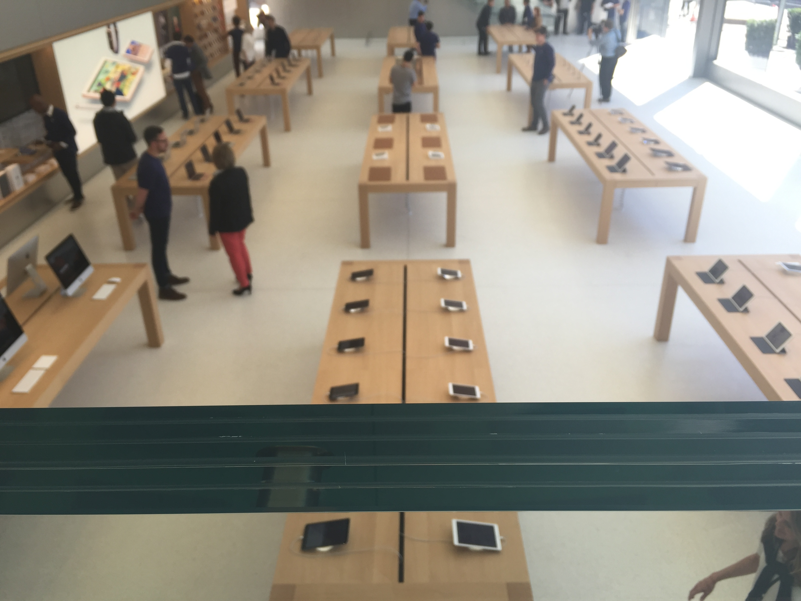 The  avenue  on the first floor of Apple's new flagship store in San Francisco.