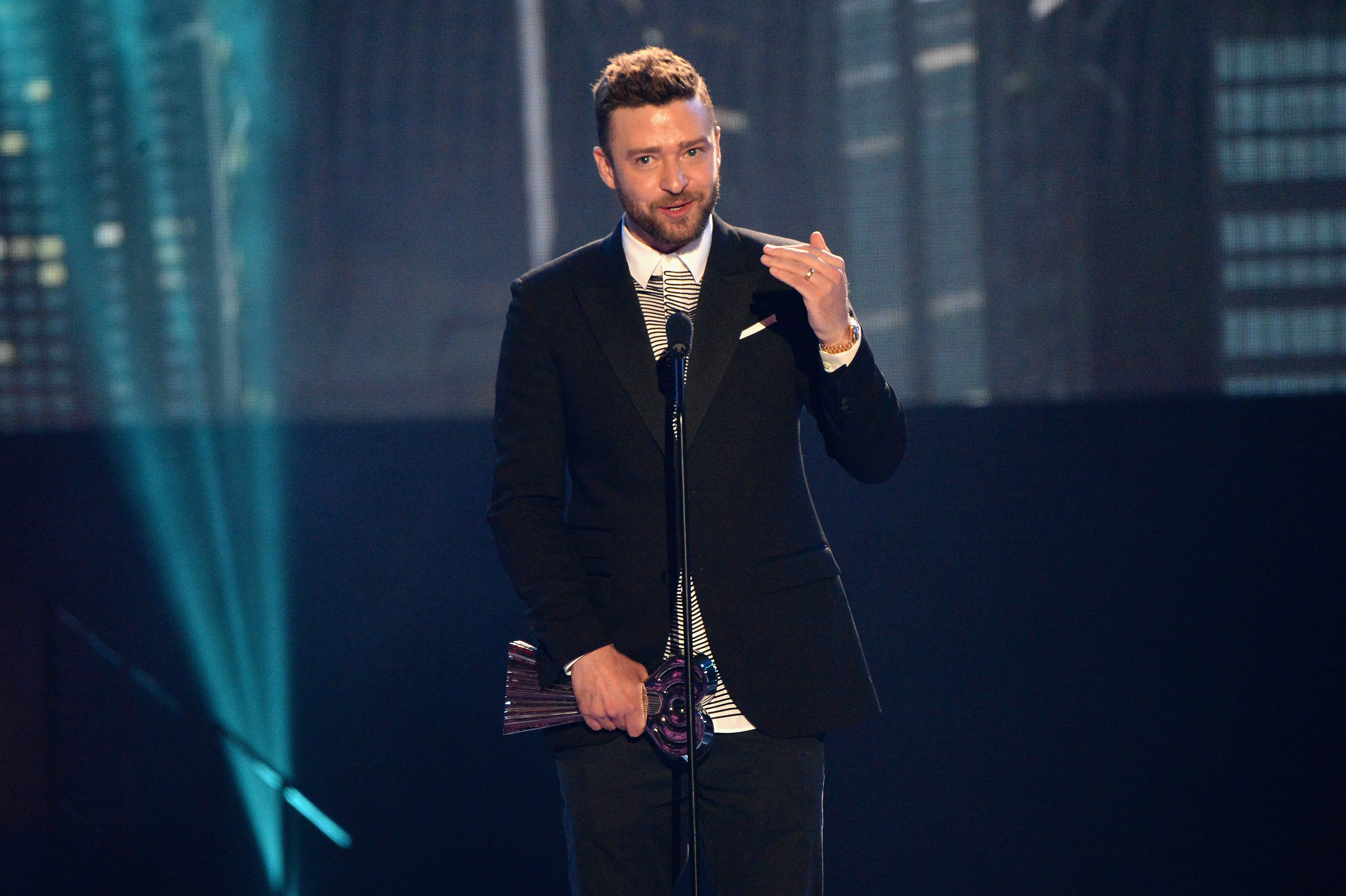 INGLEWOOD, CALIFORNIA - APRIL 03:  Singer Justin Timberlake performs onstage at the iHeartRadio Music Awards in Inglewood, California.  (Photo by Kevin Mazur/Getty Images for iHeartRadio / Turner)
