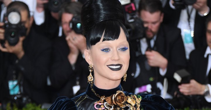 """Katy Perry attends the """"Manus x Machina: Fashion In An Age Of Technology"""" Costume Institute Gala at Metropolitan Museum of Art on May 2, 2016 in New York City."""