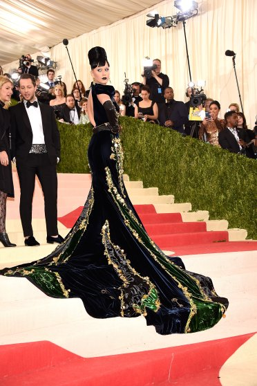 """Katy Perry attends """"Manus x Machina: Fashion In An Age Of Technology"""" Costume Institute Gala at Metropolitan Museum of Art on May 2, 2016 in New York City."""