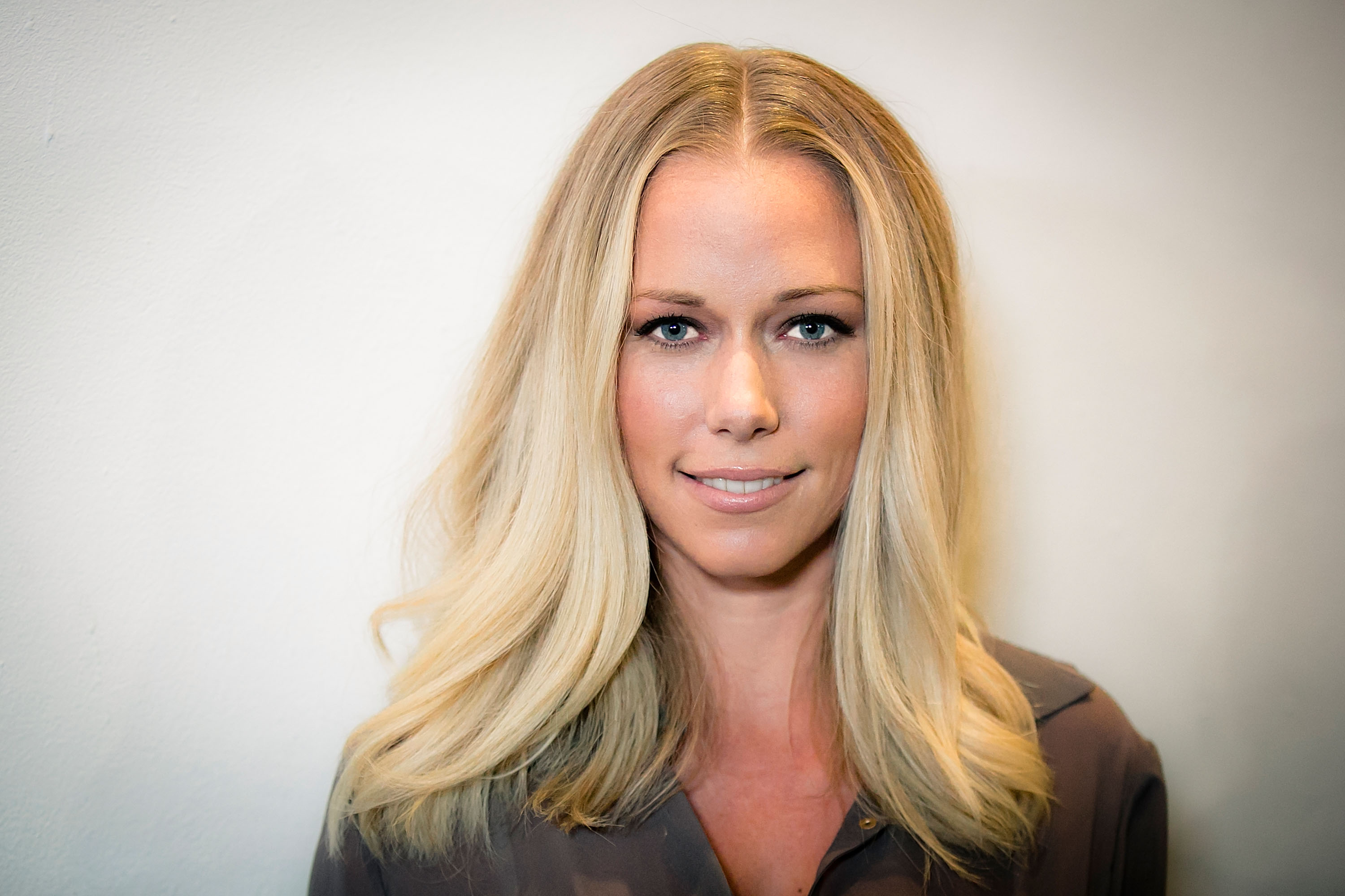 Kendra Wilkinson arrives to OK! Magazine's Pre-Oscar Party In Support Of Global Gift Foundation at Beso on February 25, 2016 in Hollywood, California.