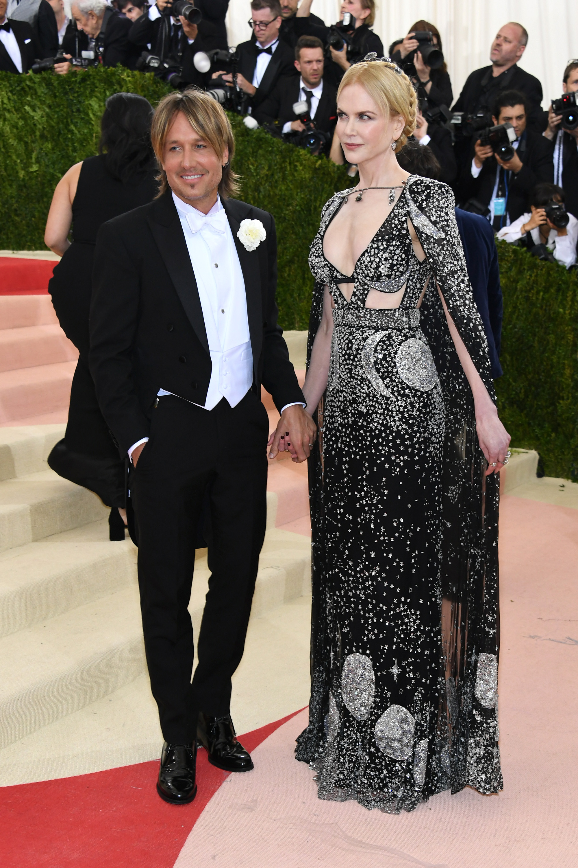 Keith Urban and Nicole Kidman attend  Manus x Machina: Fashion In An Age Of Technology  Costume Institute Gala at Metropolitan Museum of Art on May 2, 2016 in New York City.