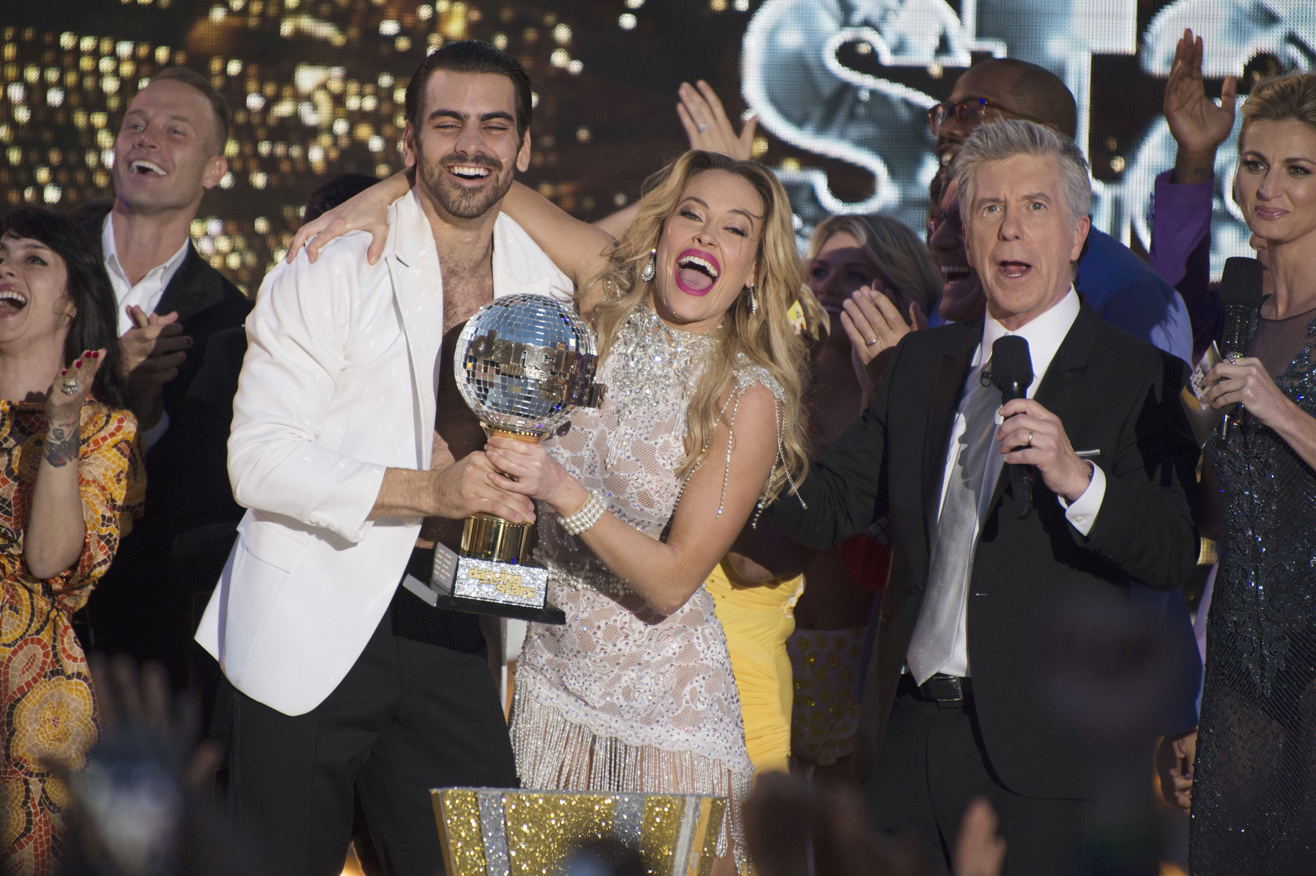 Nyle DiMarco and Peta Murgatroyd on Dancing with the Stars, May 24, 2016.