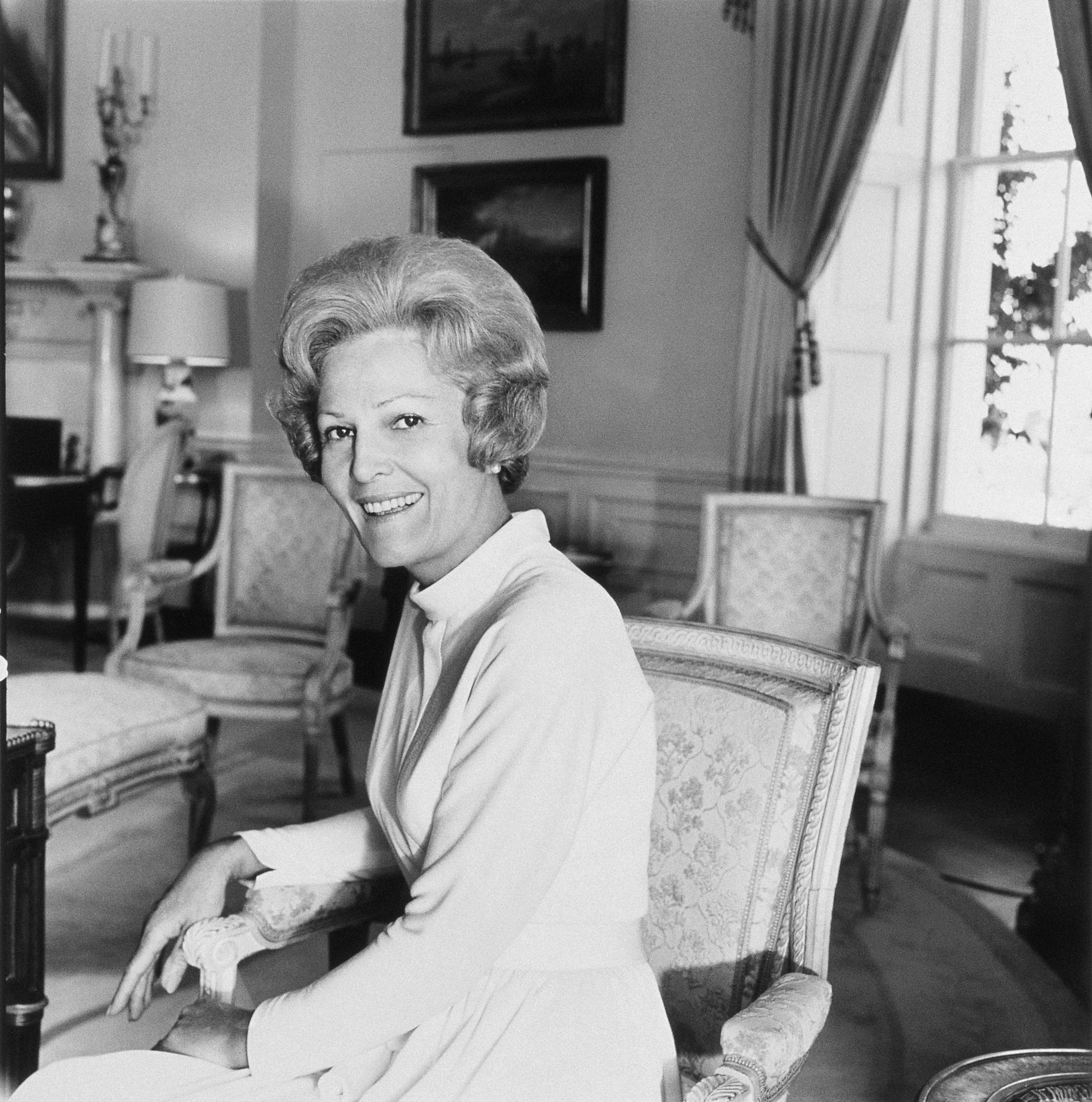 First Lady Pat Nixon), wife of the 37th president of the United States, sitting in the White House in 1972.