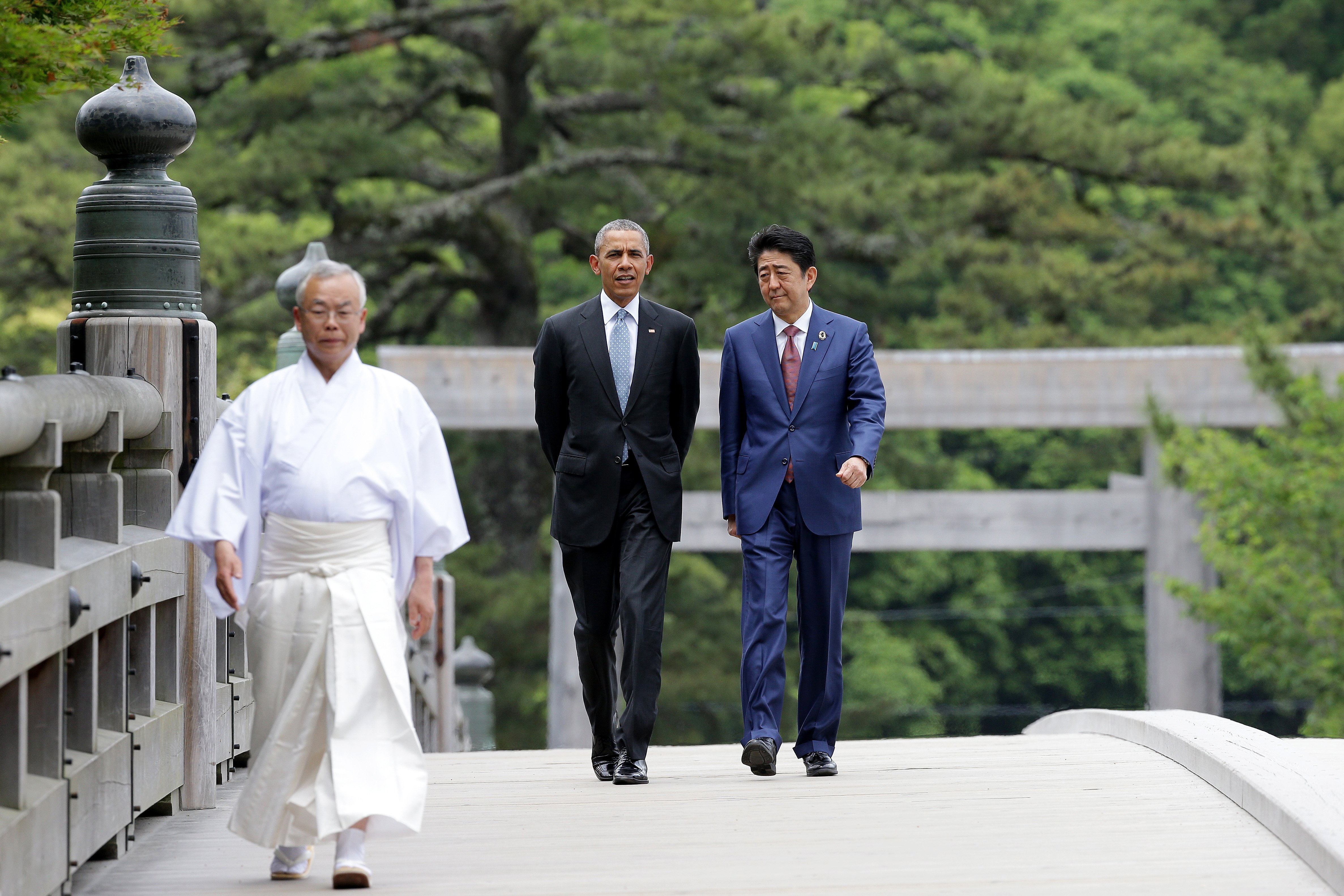 U.S. President Barack Obama walks with Japanese Prime Minister Shinzo Abe on the Ujibashi bridge as they visit at the Ise-Jingu Shrine on May 26, 2016 in Ise, Japan.