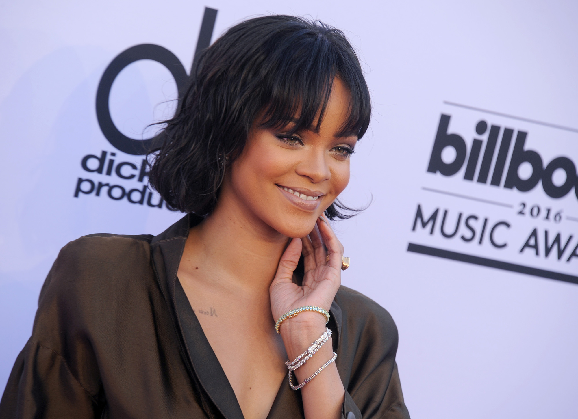 LAS VEGAS, NV - MAY 22:  Singer Rihanna arrives at the 2016 Billboard Music Awards at T-Mobile Arena on May 22, 2016 in Las Vegas, Nevada.  (Photo by Gregg DeGuire/WireImage)