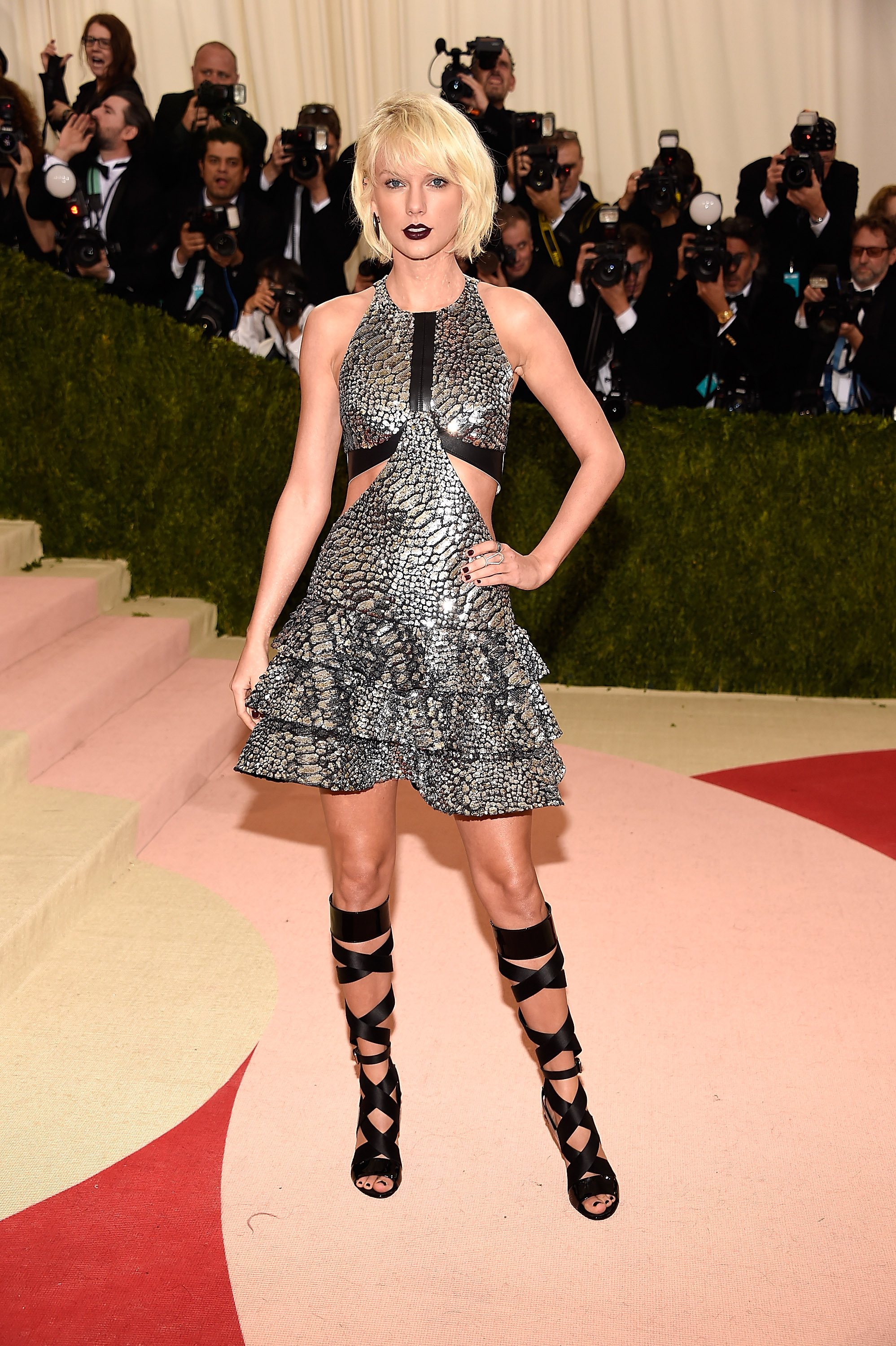 Taylor Swift attends  Manus x Machina: Fashion In An Age Of Technology  Costume Institute Gala at Metropolitan Museum of Art on May 2, 2016 in New York City.
