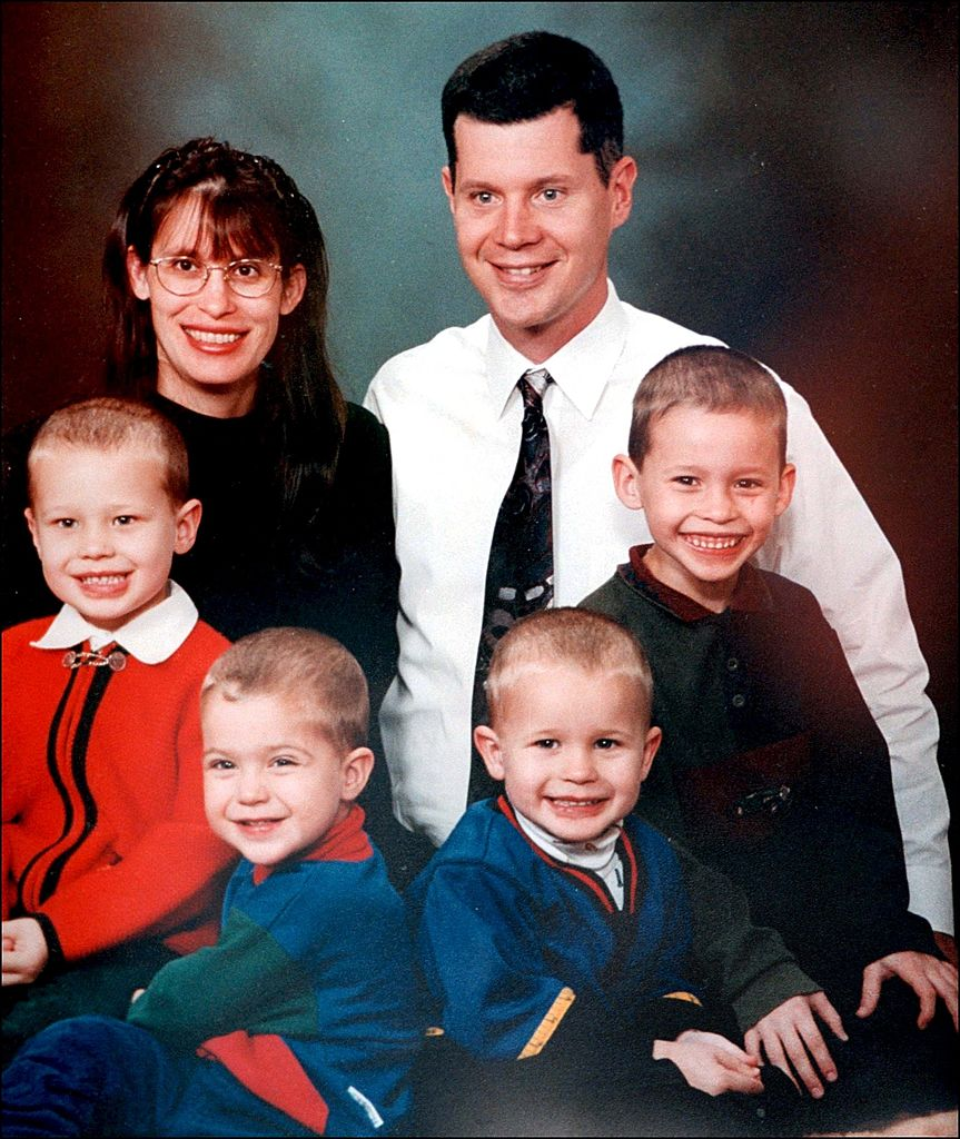 Family photo of Andrea Yates, her husband Rusty, and their four boys Luke, Paul, John and Noah.