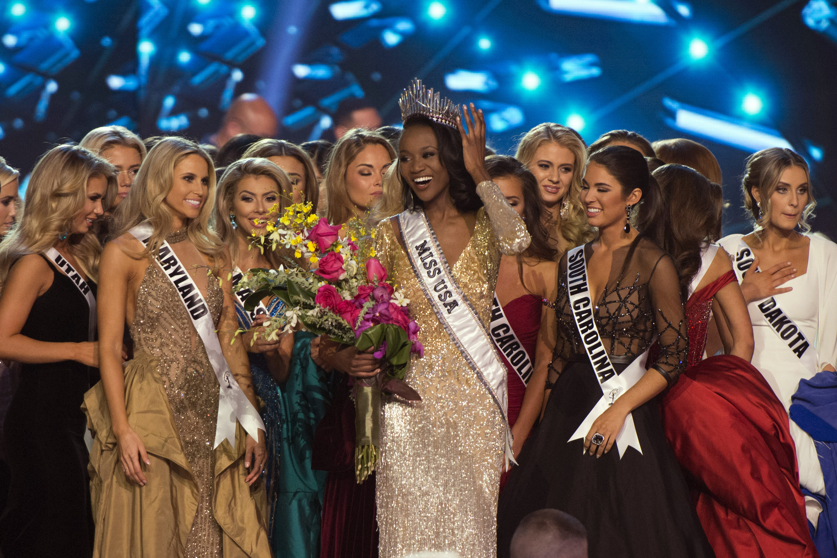 Miss District of Columbia Deshauna Barber smiles after being crowned Miss USA during the 2016 Miss USA pageant in Las Vegas, June 5, 2016