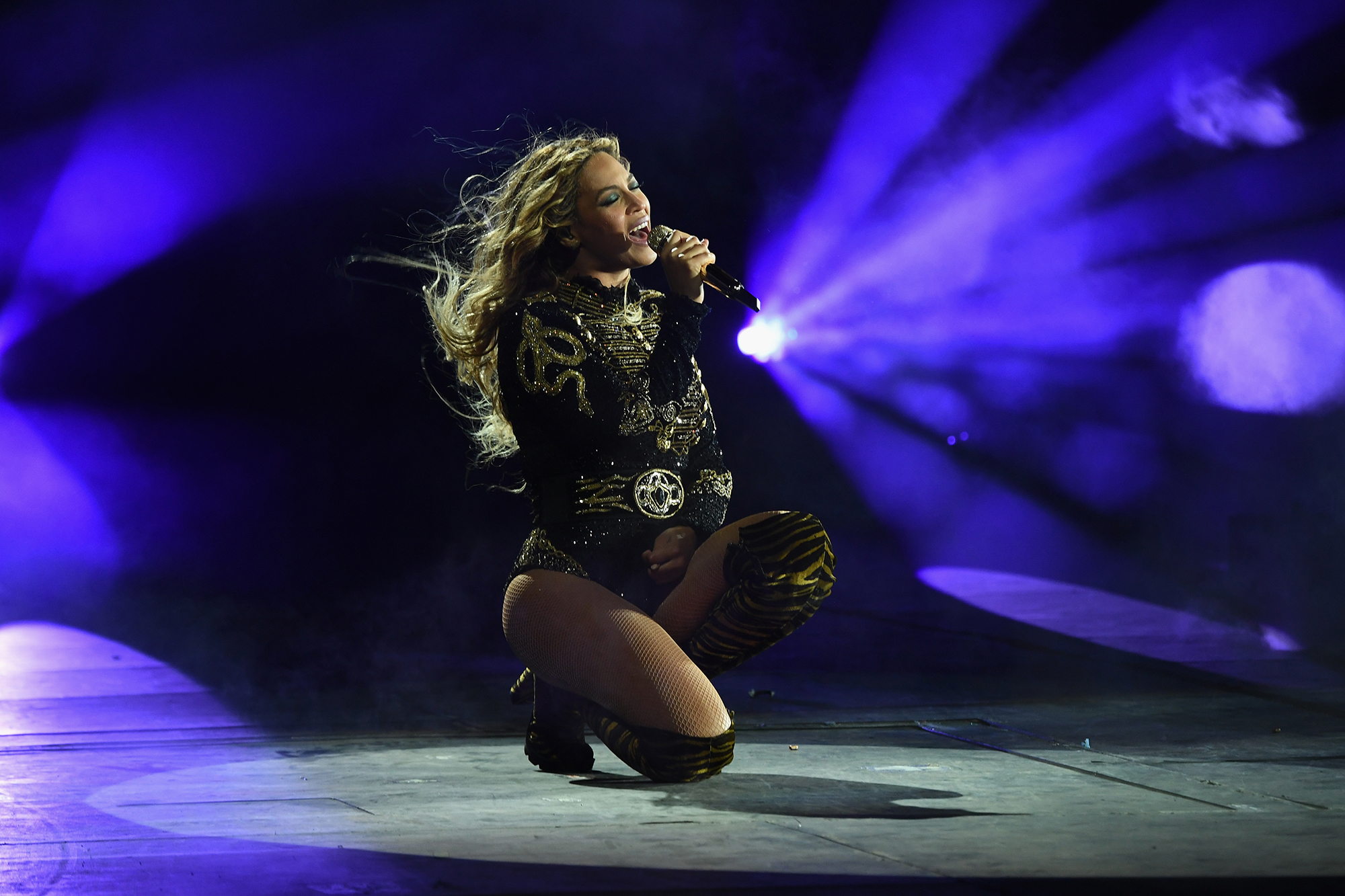 NEW YORK, NY - JUNE 07:  Entertainer Beyonce performs on stage during  The Formation World Tour  at the Citi Field (Photo by Larry Busacca/PW/WireImage For Parkwood Entertainment)