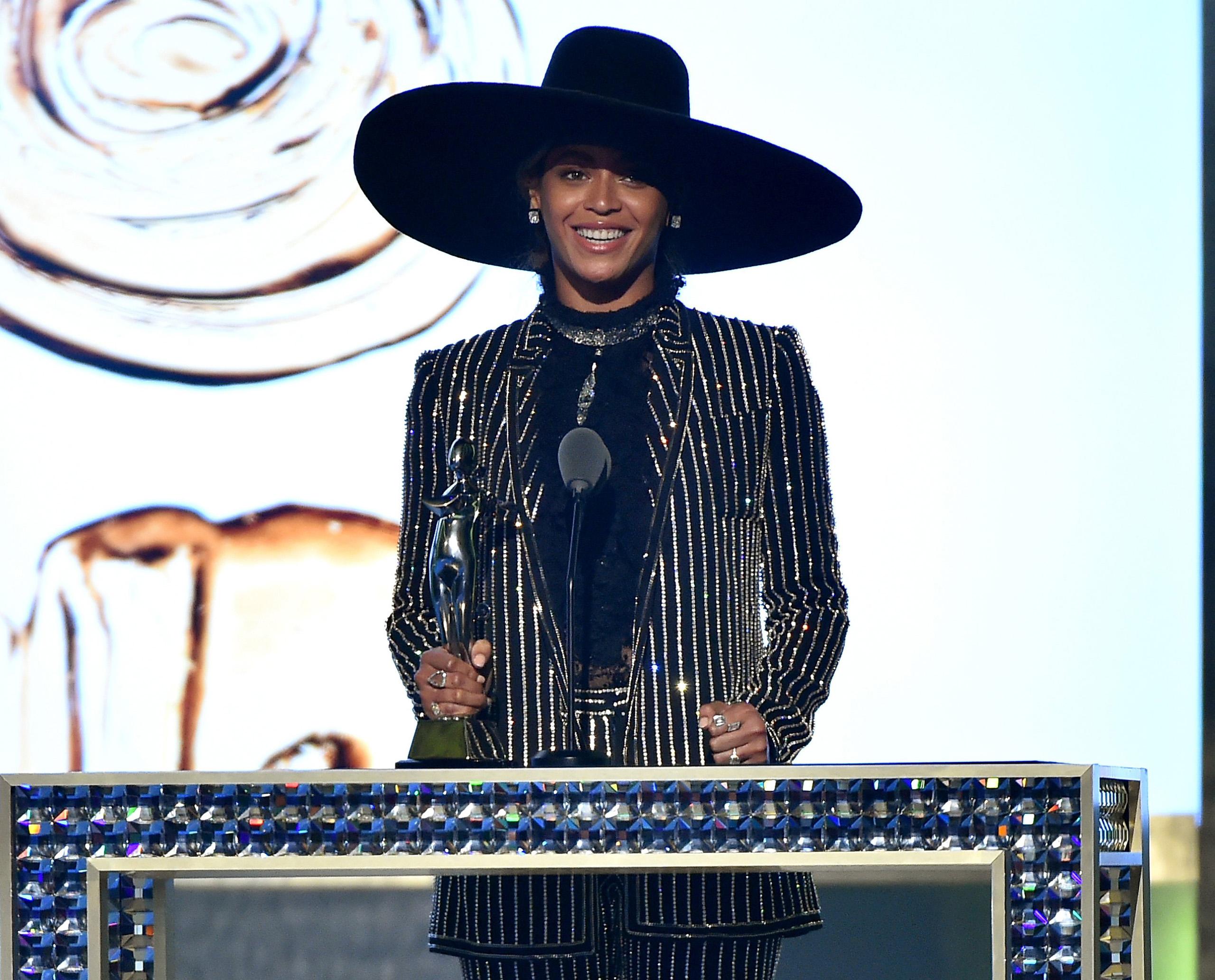 Beyonce accepts The CDFA Fashion Icon Award onstage at the 2016 CFDA Fashion Awards at the Hammerstein Ballroom in New York City, June 6, 2016.