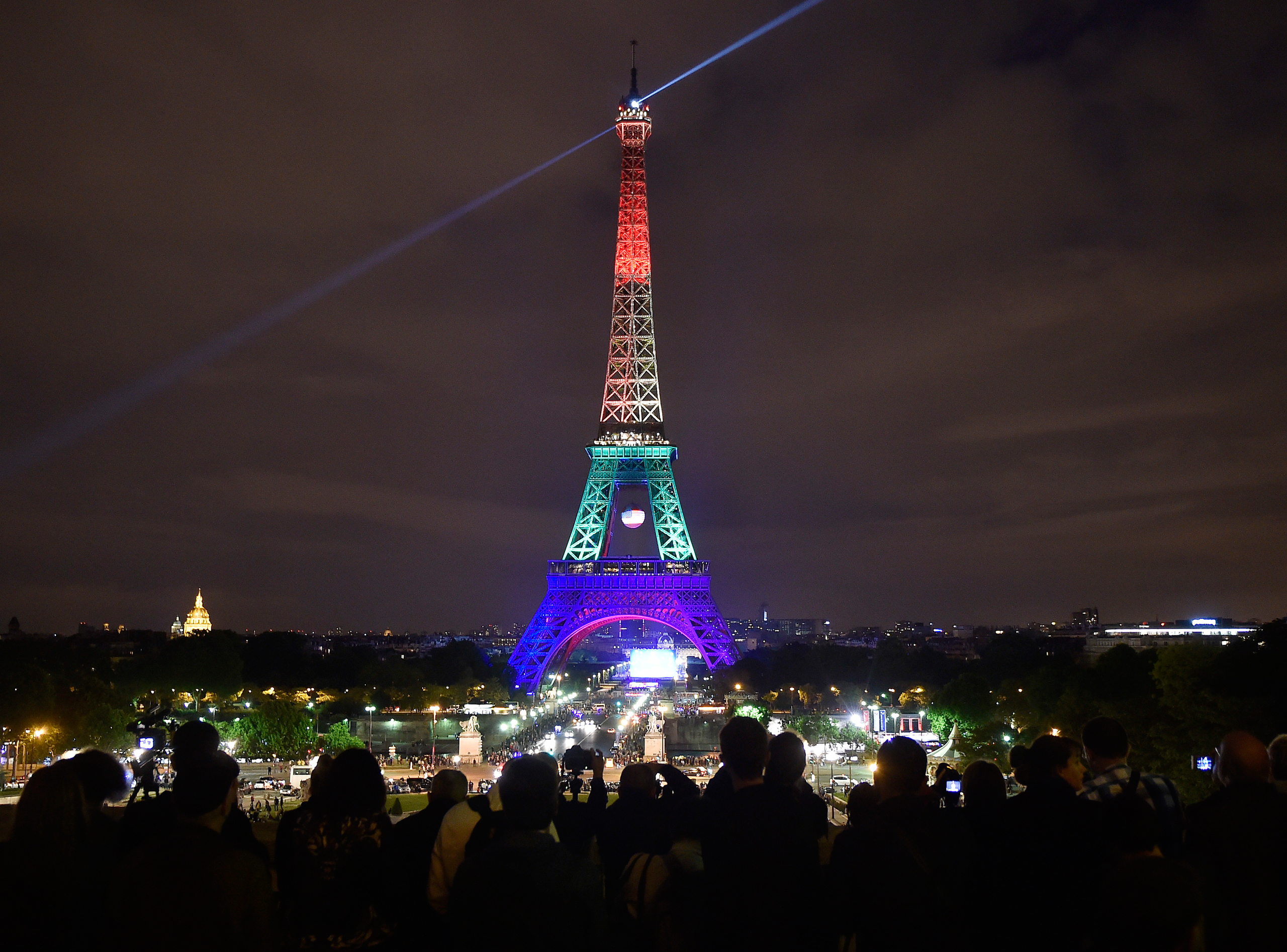 - Orlando Shooting: See The Eiffel Tower Lit Up For Victims Time