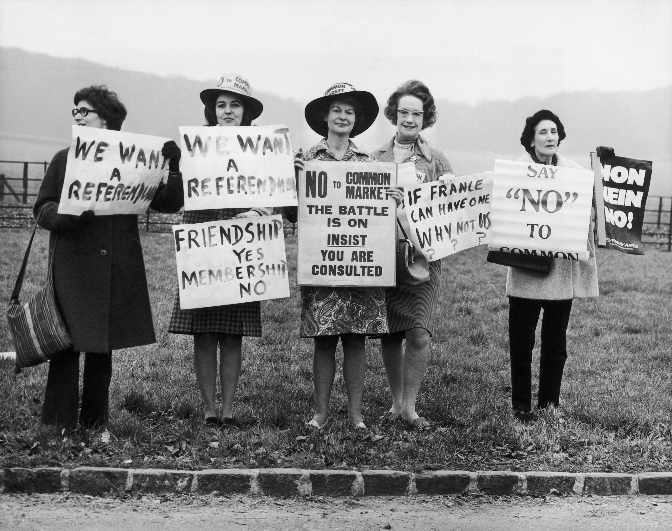 Demonstration during the meeting of French President Pompidou and British Prime Minister Edward Heath at Chequers, 1972.