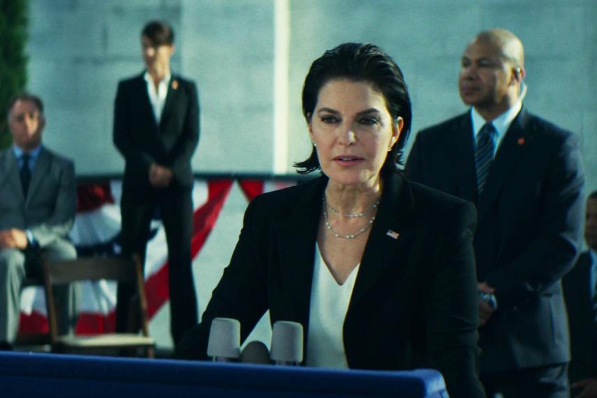 Sela Ward as Elizabeth Lanford in Independence Day: Resurgence.