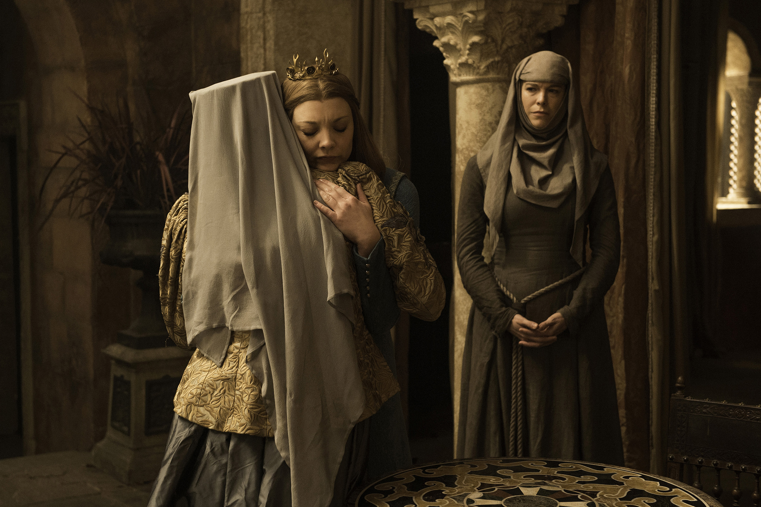 Diana Rigg (Olenna Tyrell), Natalie Dormer (Margery Tyrell), and Hannah Waddingham (Septa Unella) in Game of Thrones.