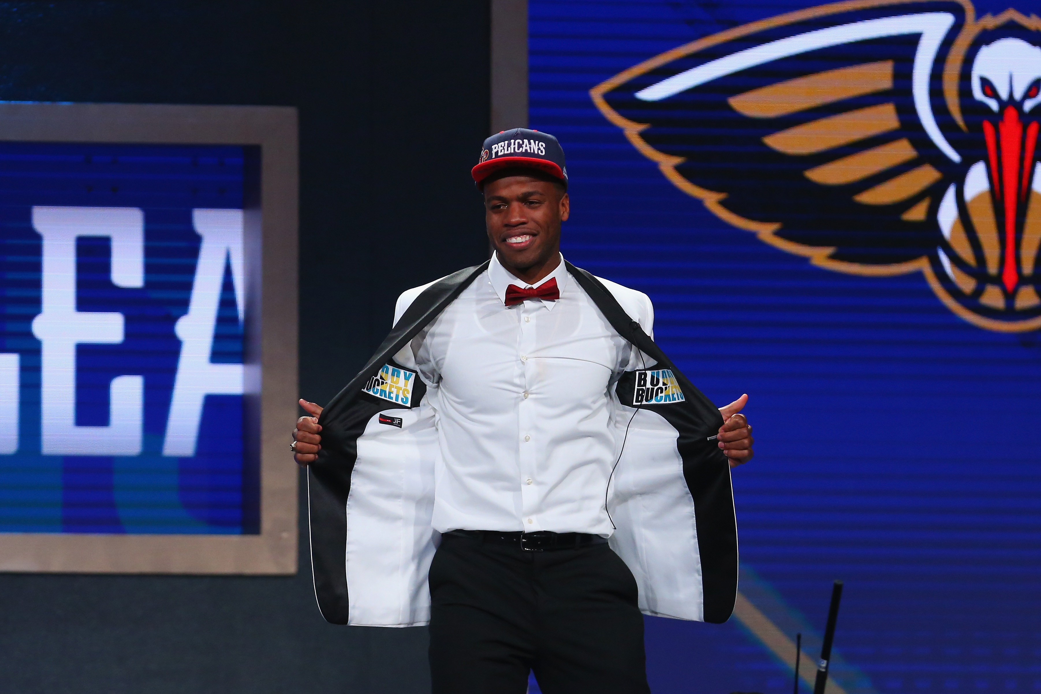 Buddy Hield went for a dapper white tuxedo jacket, which was nicely complemented by his red bow tie and  Buddy Buckets  embellishments inside the jacket.
