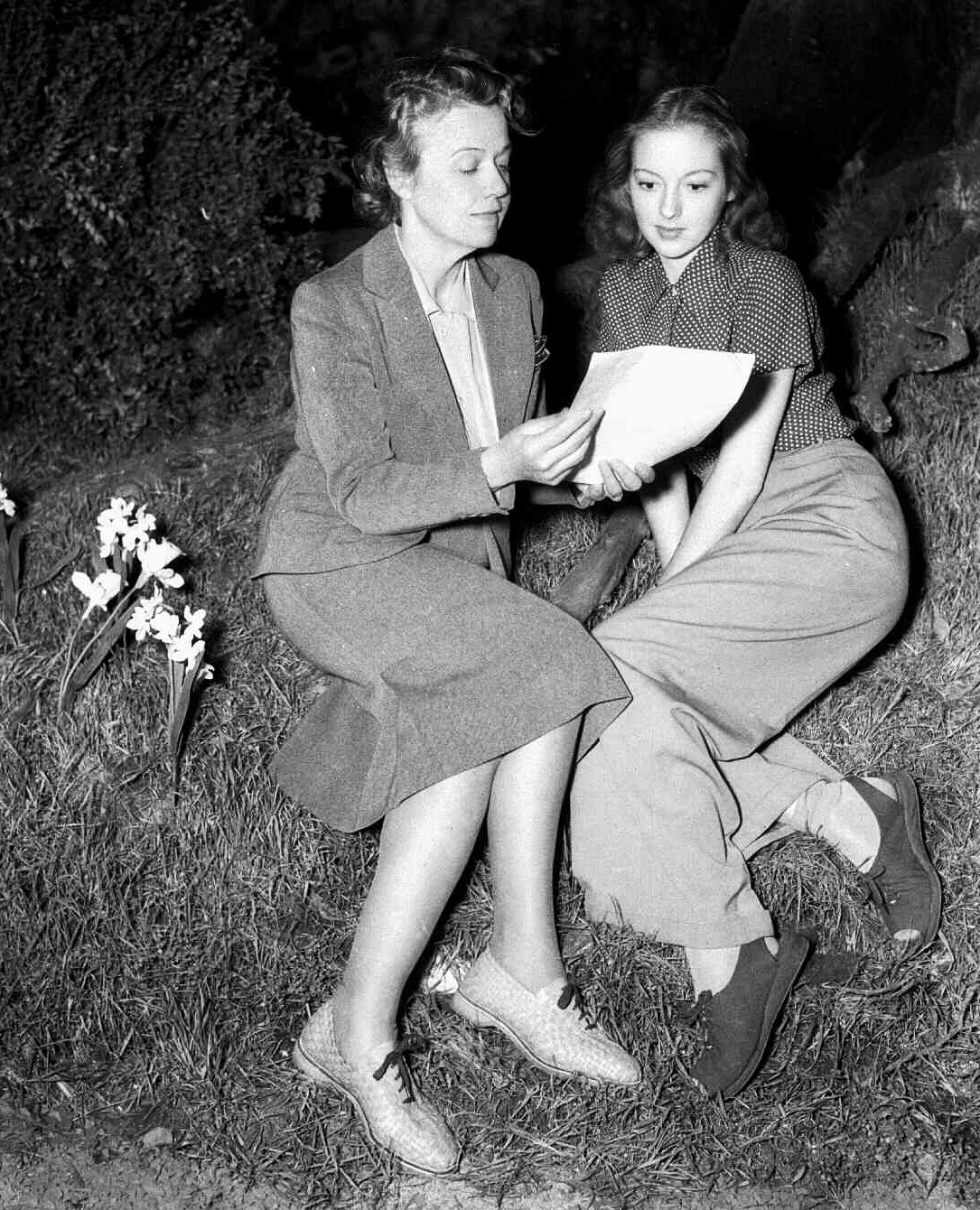 Technical Advisor Susan Myrick and Evelyn Keyes, Suellen O'Hara, on the set of Gone with the Wind in 1939.