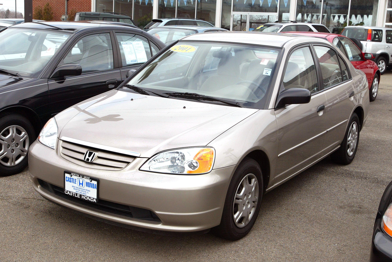 A 2001 Honda Civic is seen for sale at Castle Honda March 2, 2004 in Morton Grove, Illinois.