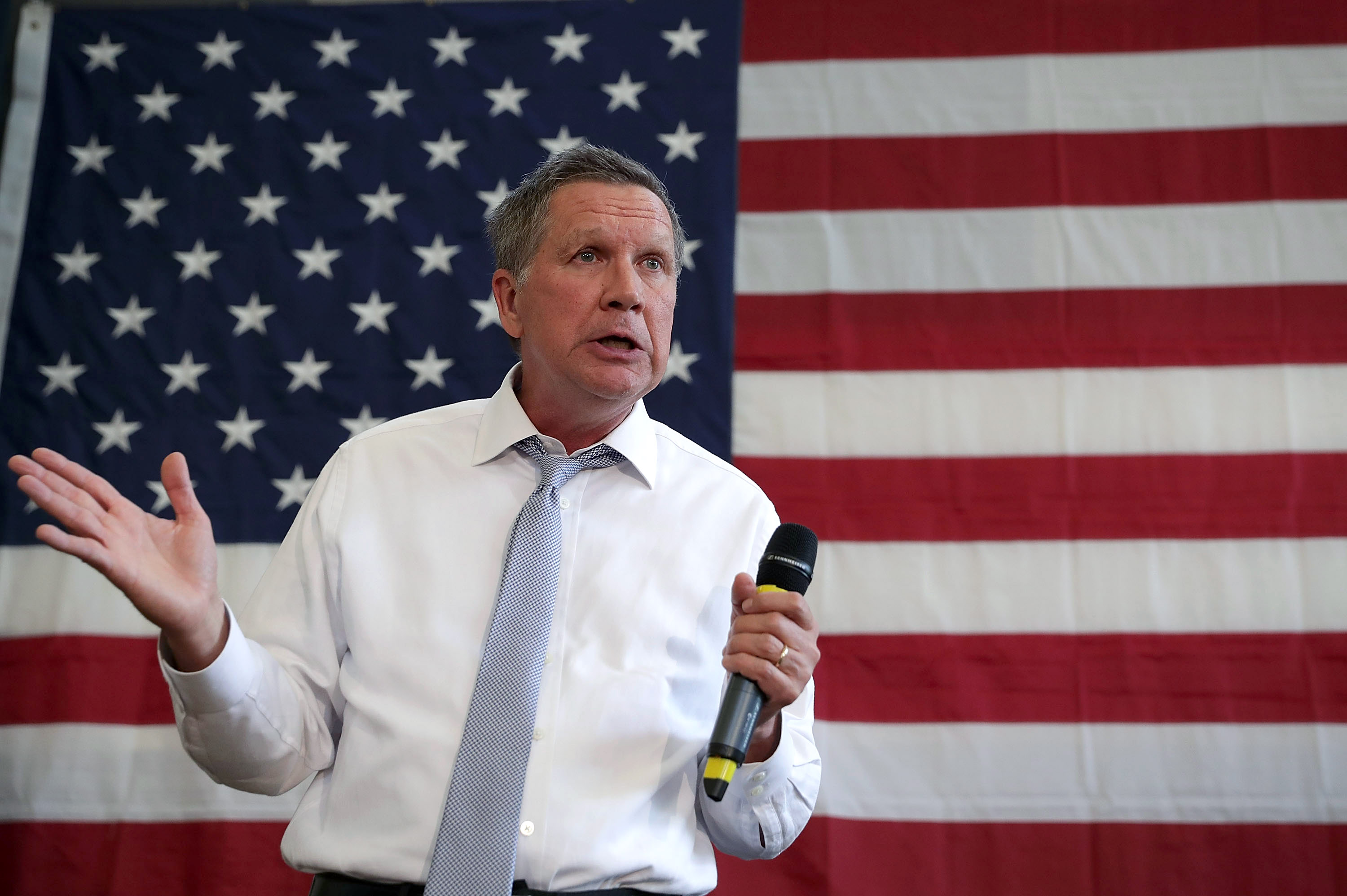 Republican presidential candidate and Ohio Governor John Kasich speaks during a campaign event April 25, 2016 in Rockville, Maryland.
