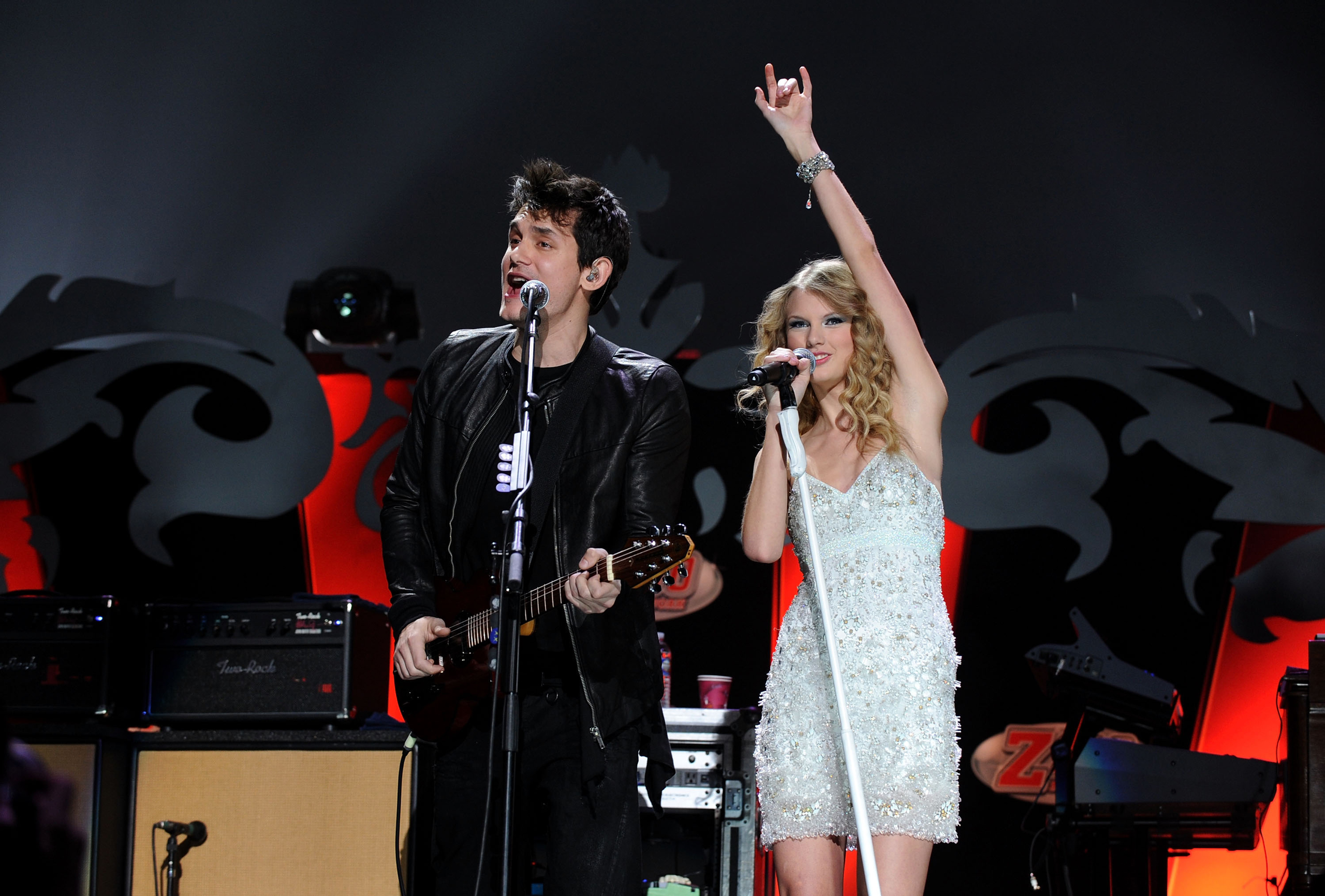 John Mayer and Taylor Swift perform onstage during Z100's Jingle Ball 2009 presented by H&M at Madison Square Garden in New York on Dec. 11, 2009.