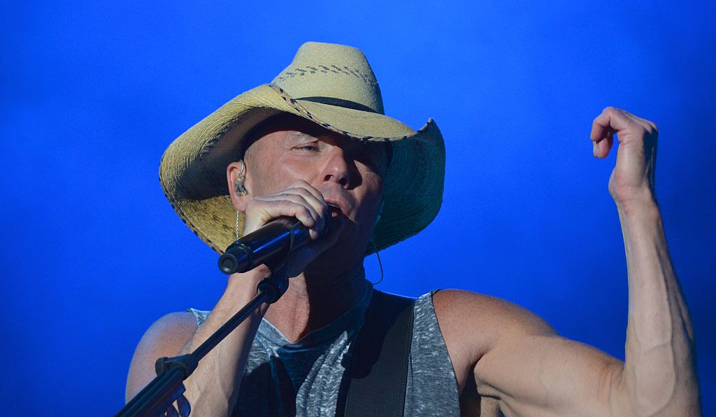Kenny Chesney performs on April 3, 2016 in Las Vegas, Nevada.