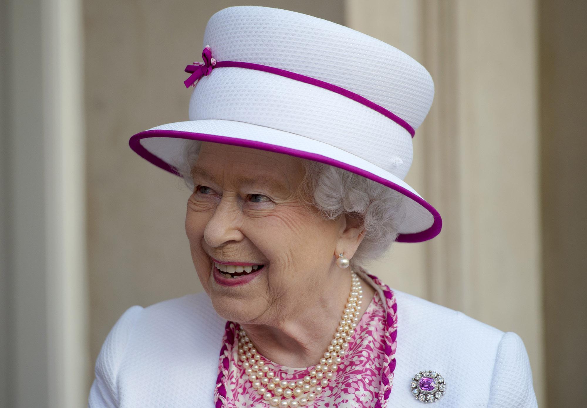 LONDON, ENGLAND - JUNE 9:  Queen Elizabeth II visits Marlborough House (Photo by Hannah McKay - WPA Pool/Getty Images)