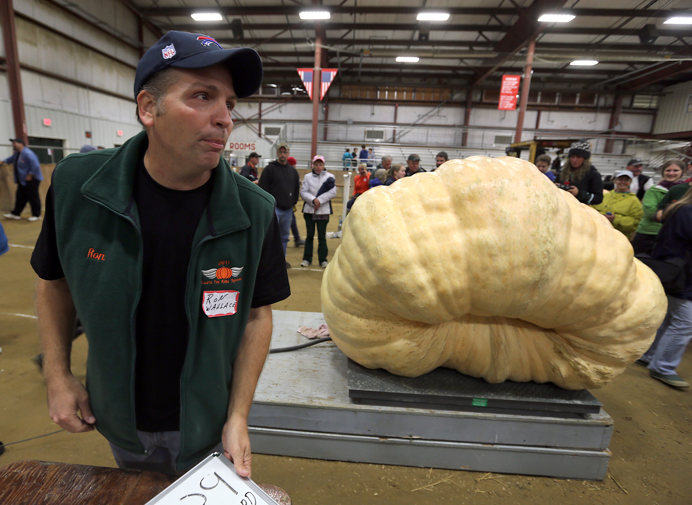 2,009lb Pumpkin Sets Record For The Largest In The World