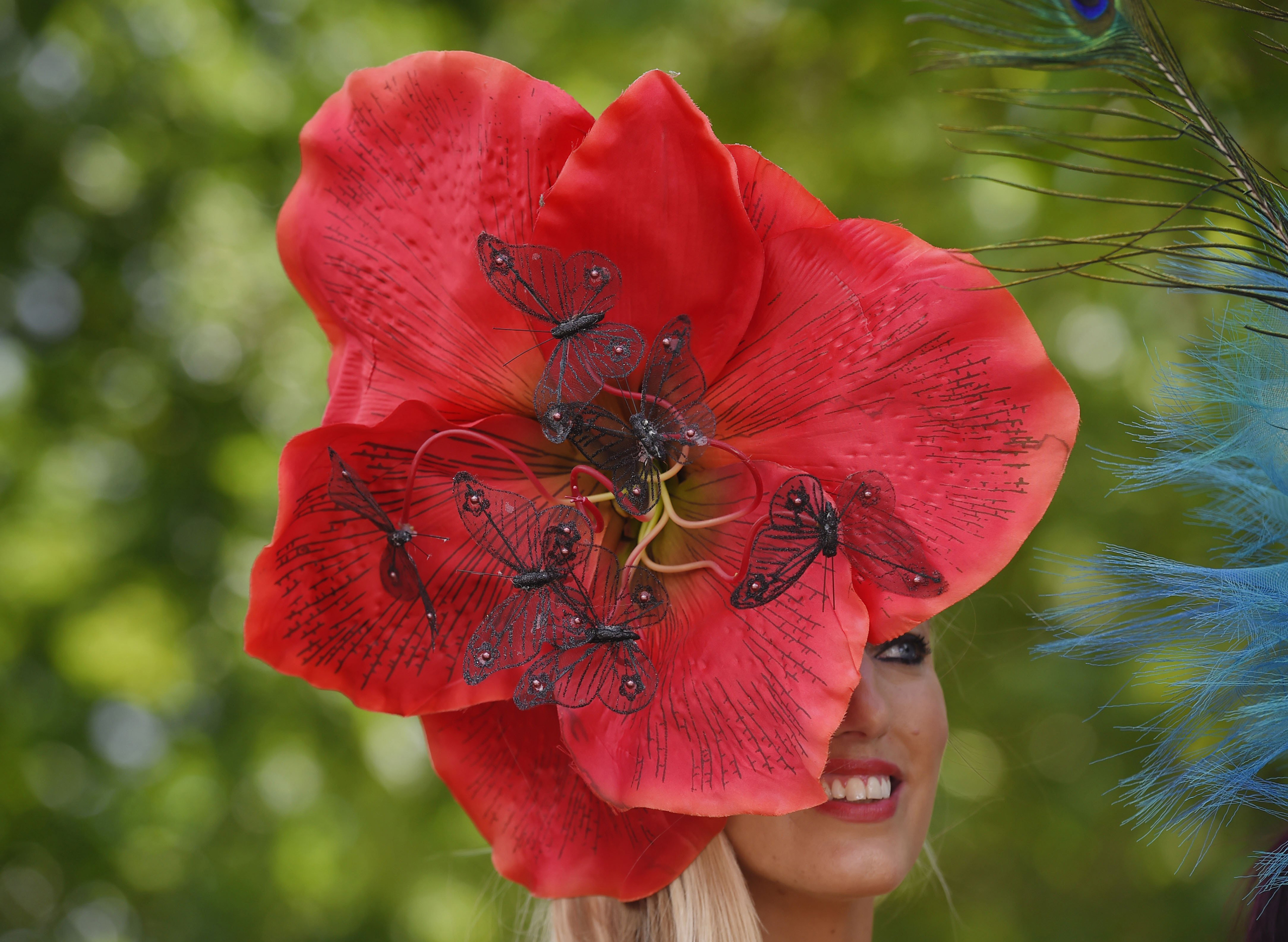 A racegoer's hat as she arrives at the Royal Ascot horse race meeting in Ascot, U.K., on June 15, 2016.