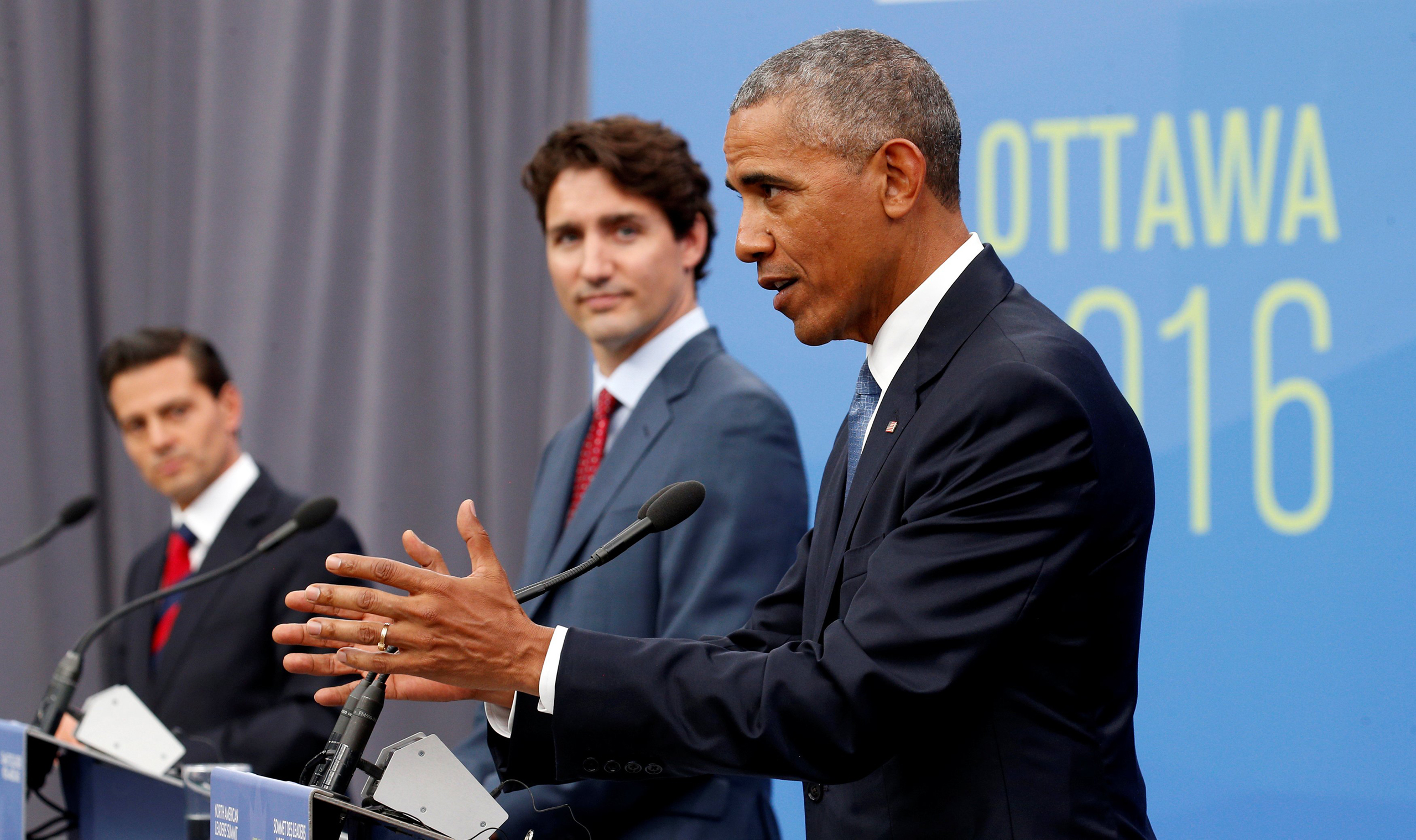 Mexican President Enrique Pena Nieto, (L) Canadian Prime Minister Justin Trudeau (C) and U.S. President Barack Obama take part in a news conference during the North American Leaders' Summit in Ottawa, Canada, on June 29, 2016.