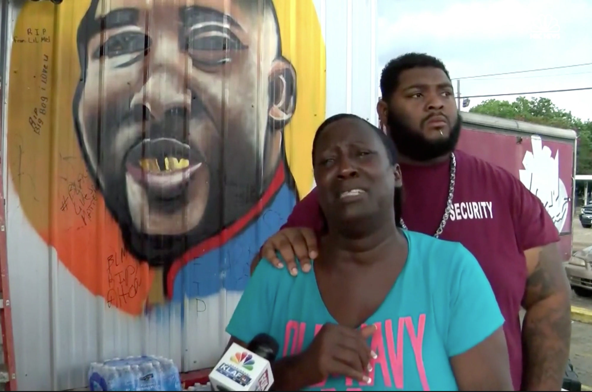Alton Sterling's aunt, Veda Washington-Abusaleh, makes an emotional plea to end  bloodshed  after the deaths of three Baton Rouge police officers.