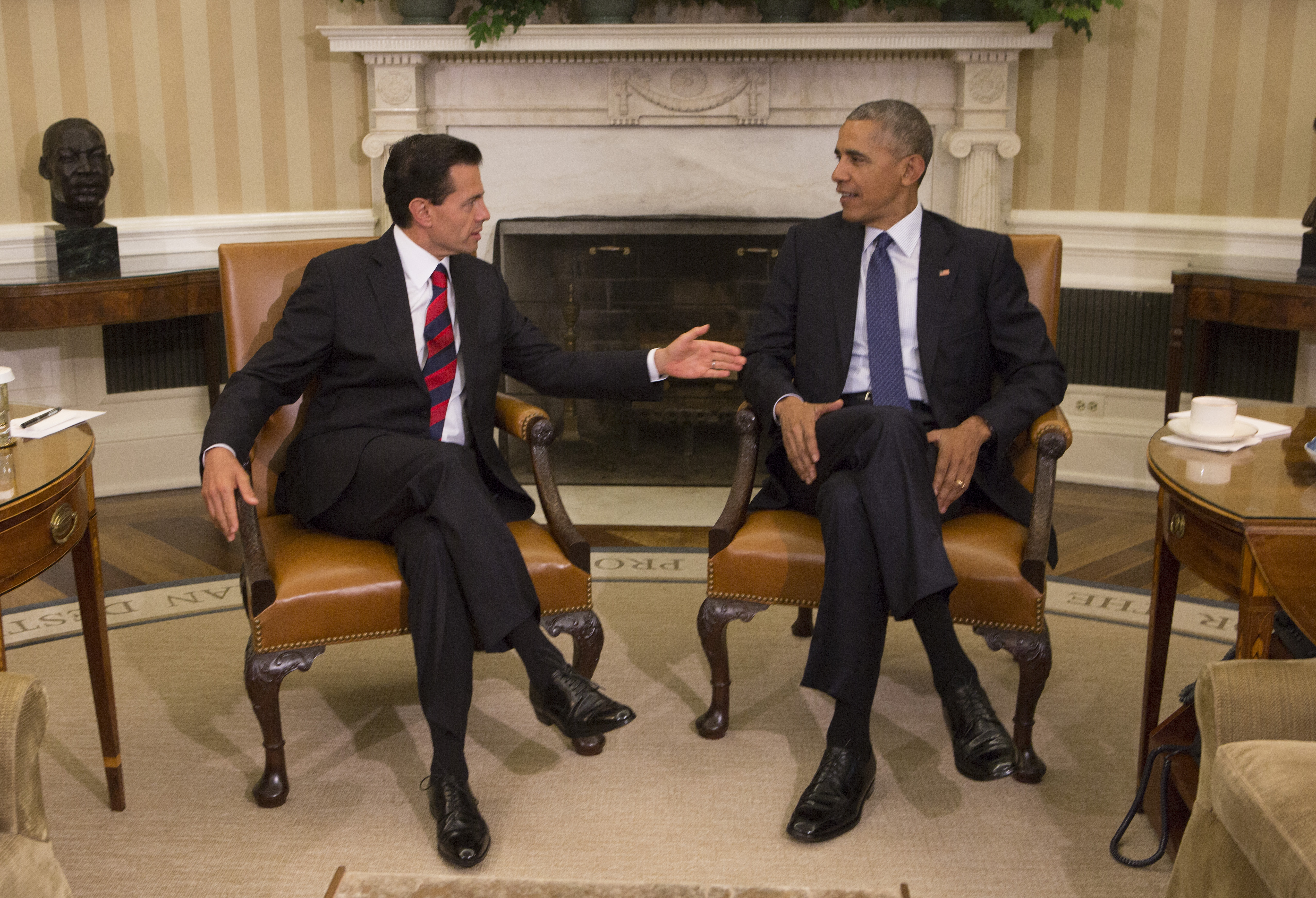 U.S. President Barack Obama (R) meets with President Enrique Pena Nieto of Mexico at the White House on July 22, 2016 in Washington, D.C.