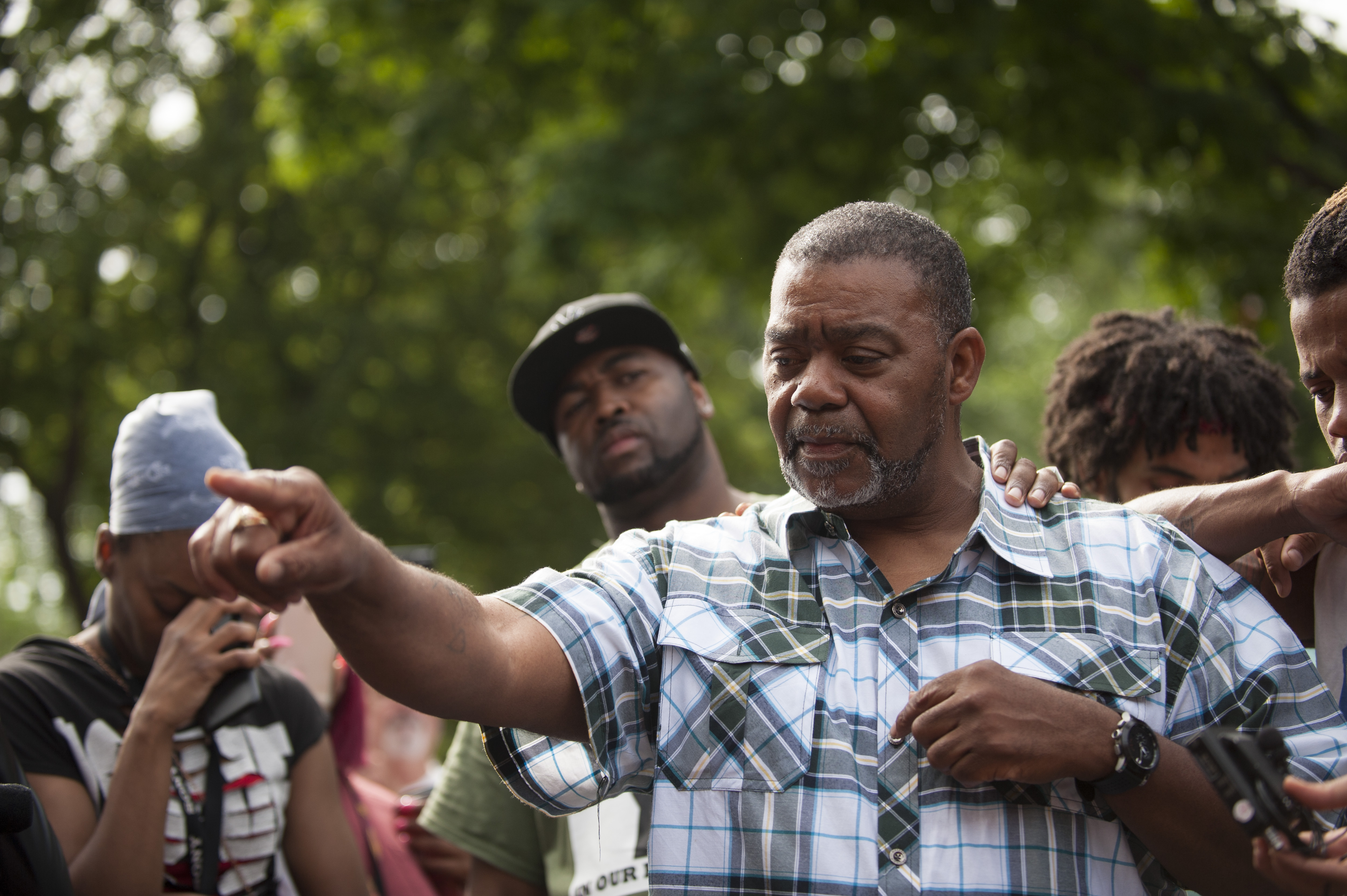 Clarence D. Castile, uncle of Philando Castile, speaks outside the Governor's Mansion on July 7, 2016 in St. Paul, Minnesota.