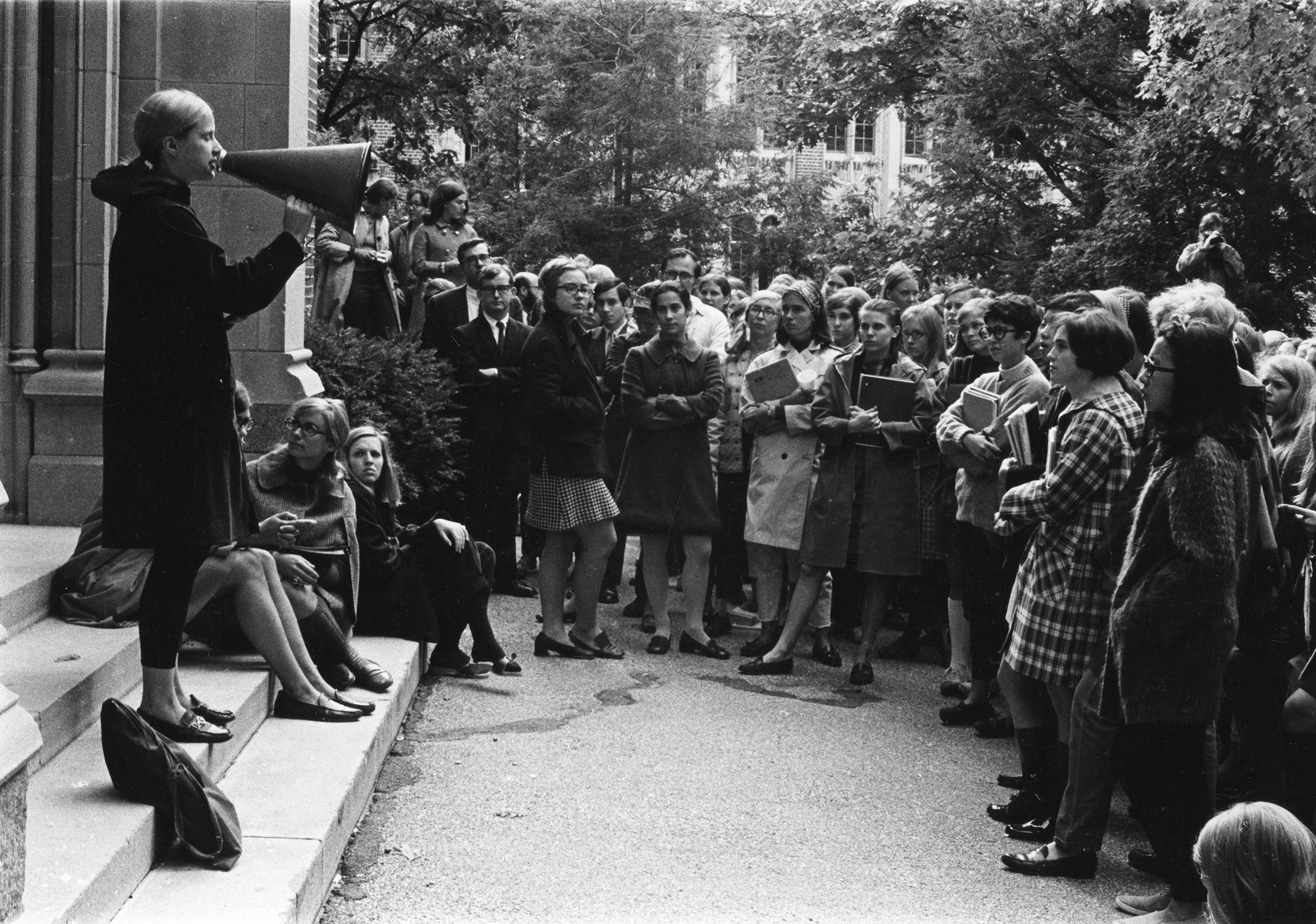 Hillary (center) attends a student rally at Wellesley College, October 8, 1968.