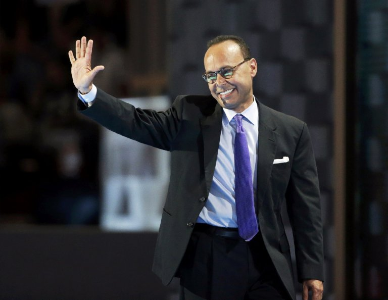 Representative Luis Gutierrez (D-IL) waves after speaking at the Democratic National Convention in Philadelphia on July 25, 2016.
