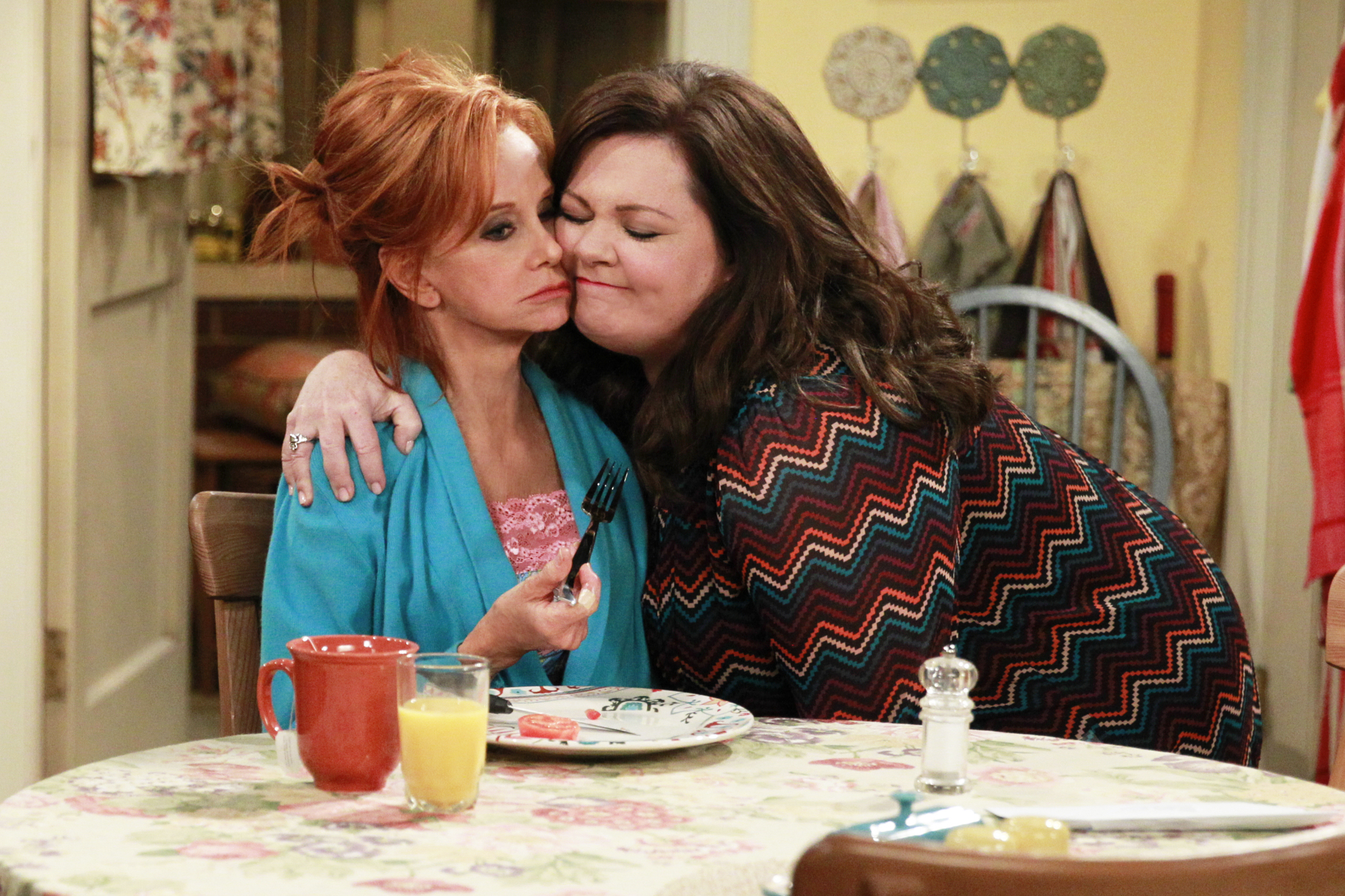 Melissa McCarthy, right, as Molly Flynn in Mike & Molly, 2010-2016.