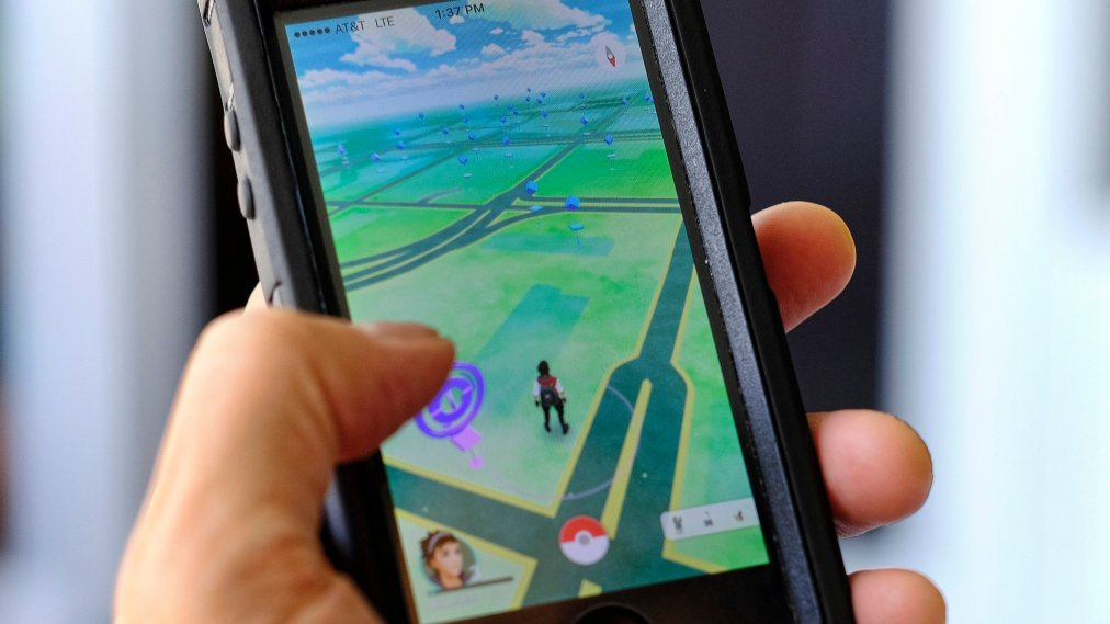 'Pokémon Go' Is Affecting People's Lives in Very Strange Ways