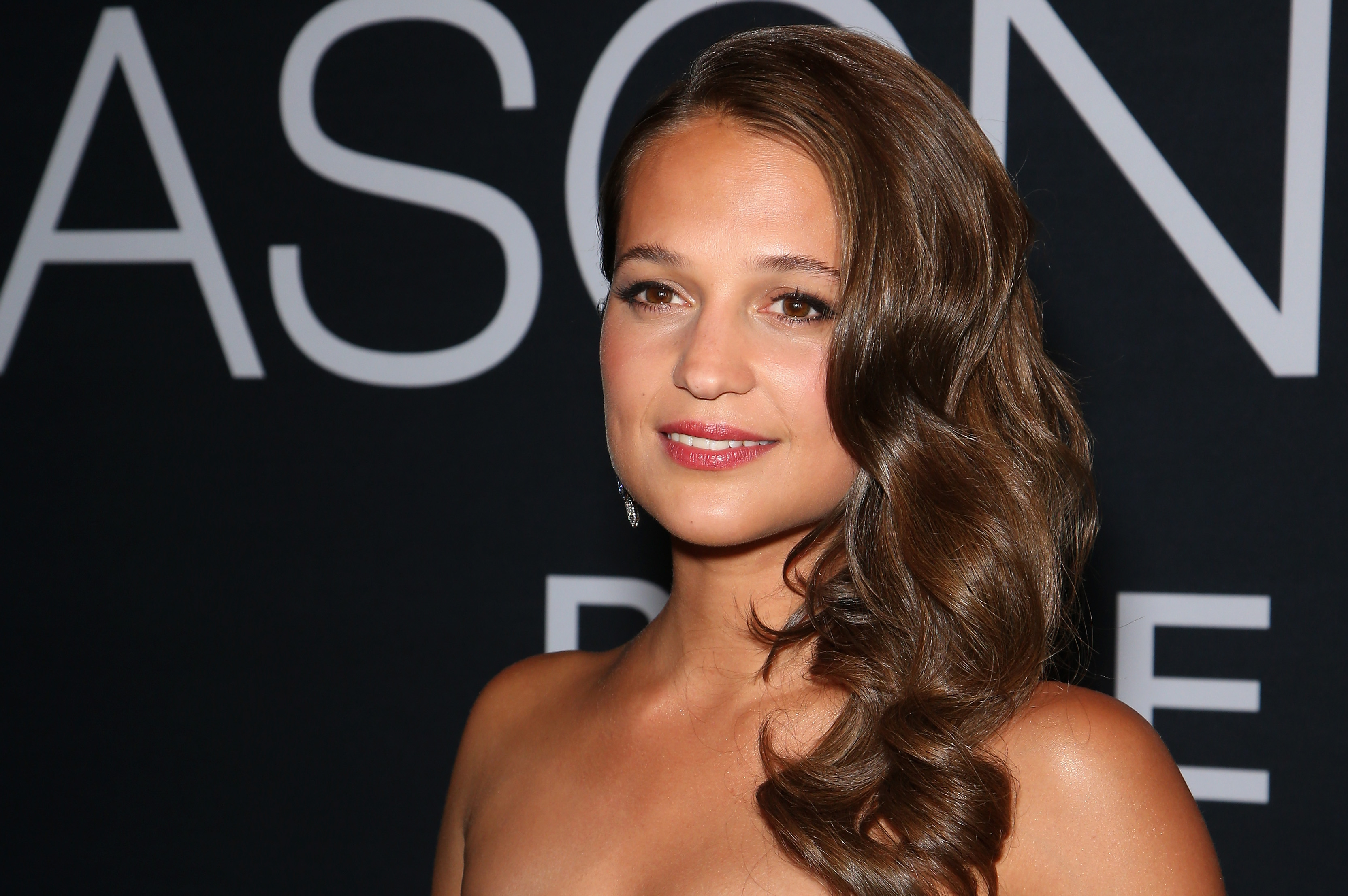 LAS VEGAS, NV - JULY 18:  Actress Alicia Vikander attends the premiere of Universal Pictures'  Jason Bourne  at The Colosseum at Caesars Palace on July 18, 2016 in Las Vegas, Nevada.  (Photo by Gabe Ginsberg/FilmMagic)