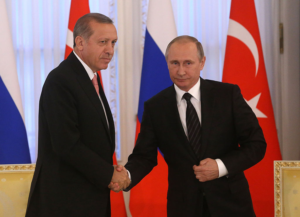 SAINT PETERSBURG, RUSSIA- AUGUST, 9  (RUSSIA OUT) Russian President Vladimir Putin (R) and Turkish President Recep Tayyip Erdogan attend their meeting in Konstantin Palace in Strenla on August,9, 2016 in  Saint Petersburg, Russia. President of Turkey is having a one-day visit to Putin's hometown. (Photo by Mikhail Svetlov/Getty Images)