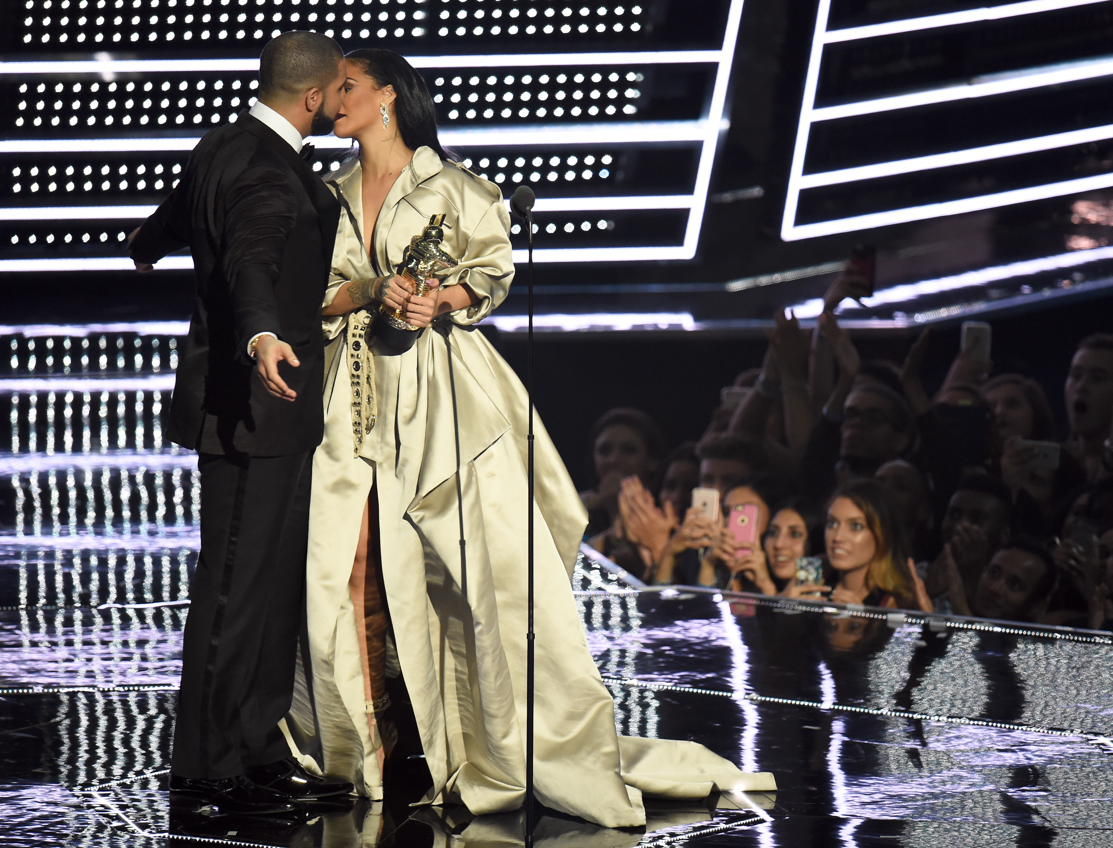 Drake presents Rihanna with the The Video Vanguard Award during the 2016 MTV Video Music Awards at Madison Square Garden on August 28, 2016 in New York City.