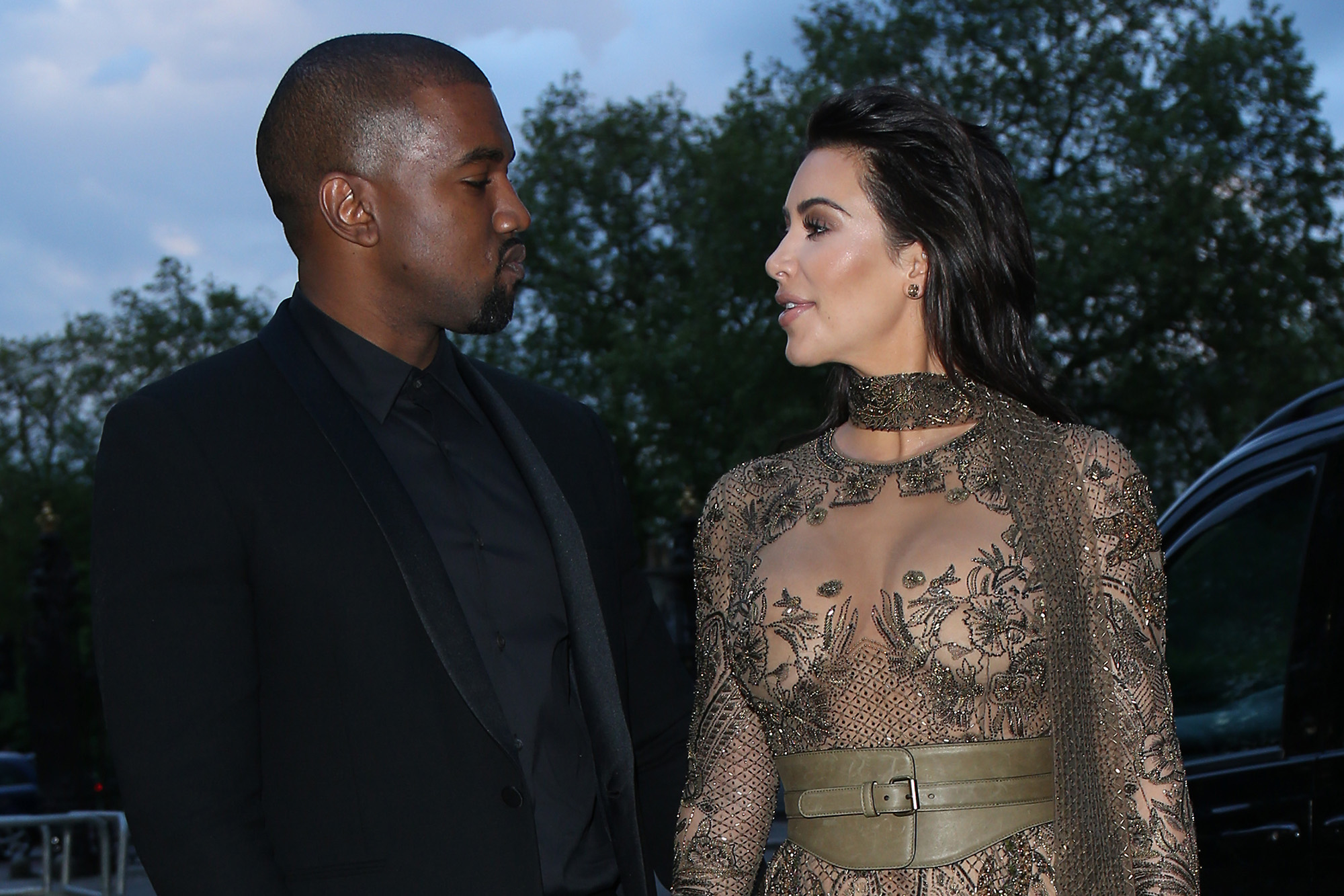 Kim Kardashian West and Kanye West attend the Vogue 100 Gala Dinner at the East Albert Lawn in Kensington Gardens on May 23, 2016 in London, England.  (Photo by Neil Mockford/GC Images)