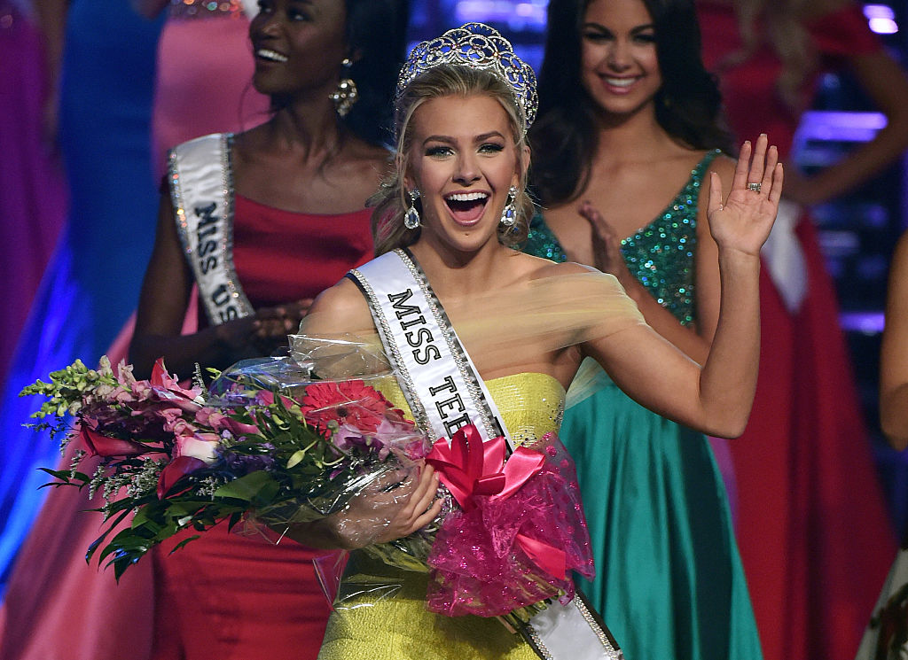 Miss Texas Teen USA 2016 Karlie Hay waves after being crowned Miss Teen USA 2016 during the 2016 Miss Teen USA Competition at The Venetian Las Vegas on July 30, 2016 in Las Vegas, Nevada.
