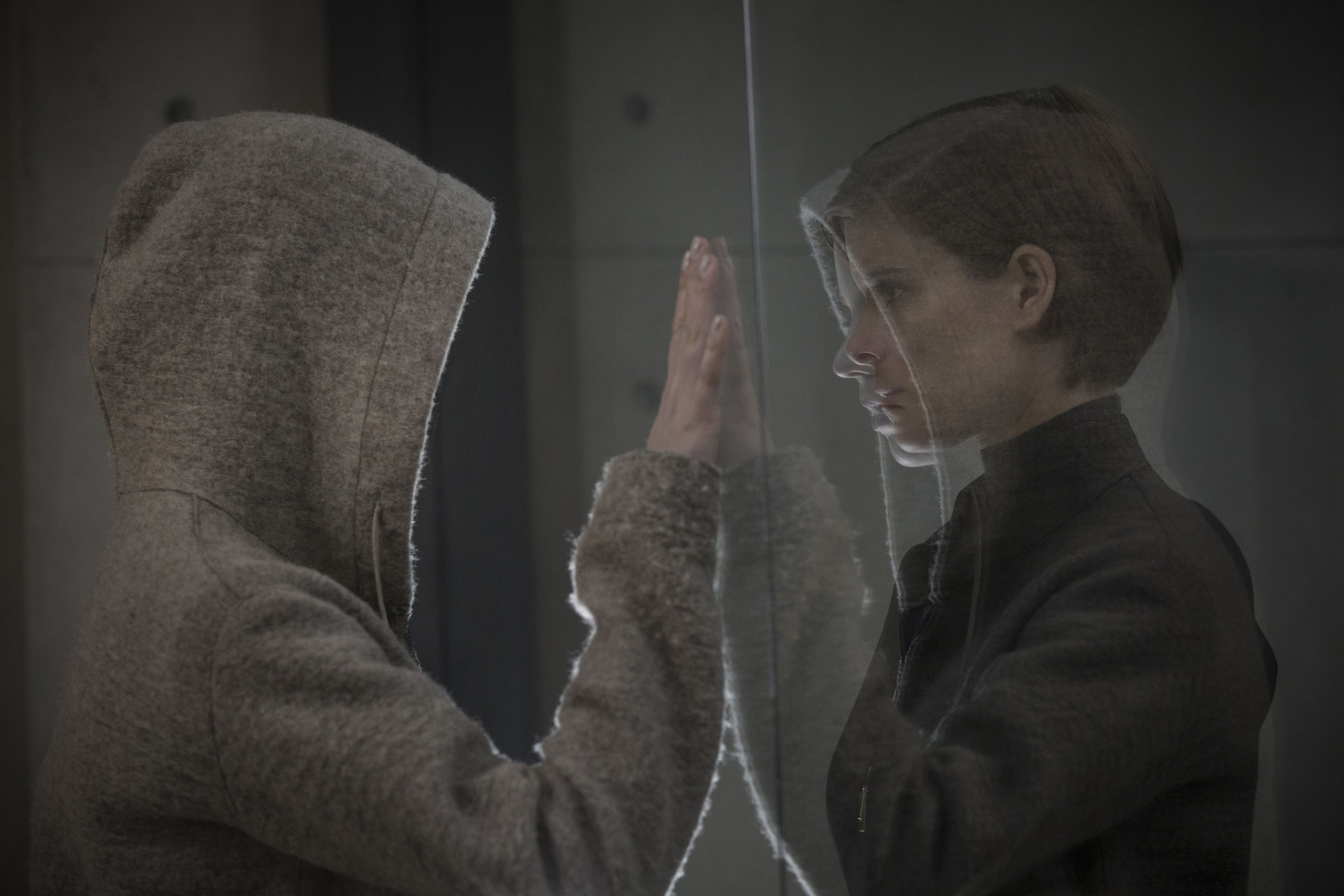 """A corporate troubleshooter (Kate Mara, right) investigates a seemingly innocent """"human"""" named Morgan (Anya Taylor-Joy), who presents a mystery of both infinite promise and incalculable danger in  Morgan."""