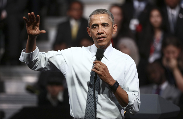 U.S. President Barack Obama gestures as he speaks during a news conference, in London, U.K., on Saturday, April 23, 2016.