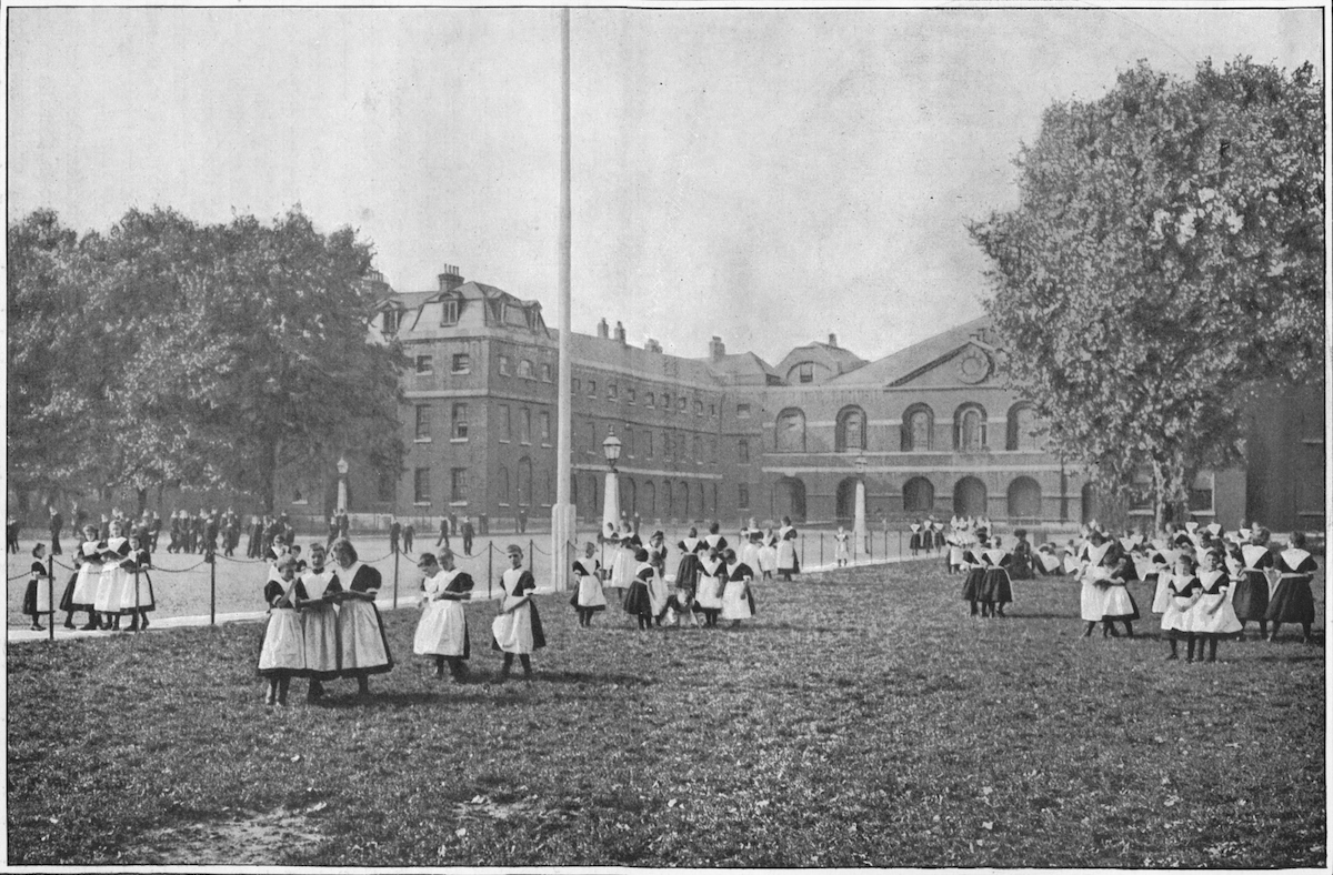 The rounds of the London Foundling Hospital, circa 1901