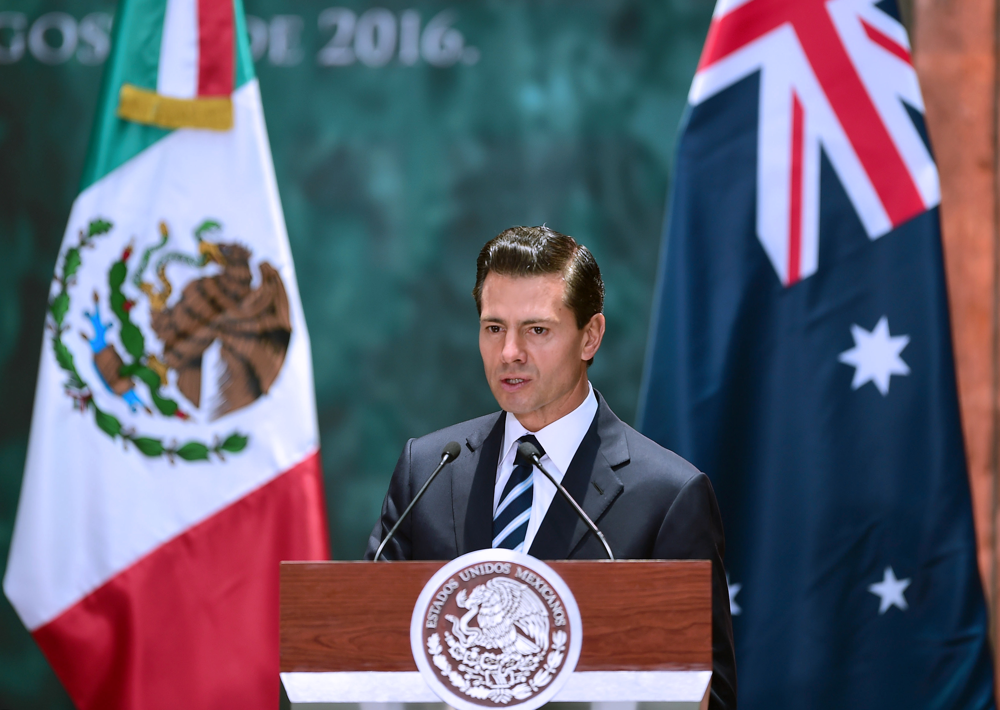 Mexican President Enrique Pena Nieto delivers a speech during the welcoming ceremony in honour of Australian Governor-General Sir Peter Cosgrove (out of frame) at the National Palace in Mexico City on August 1, 2016.                     Cosgrove arrived in Mexico on an official visit. / AFP / ALFREDO ESTRELLA        (Photo credit should read ALFREDO ESTRELLA/AFP/Getty Images)