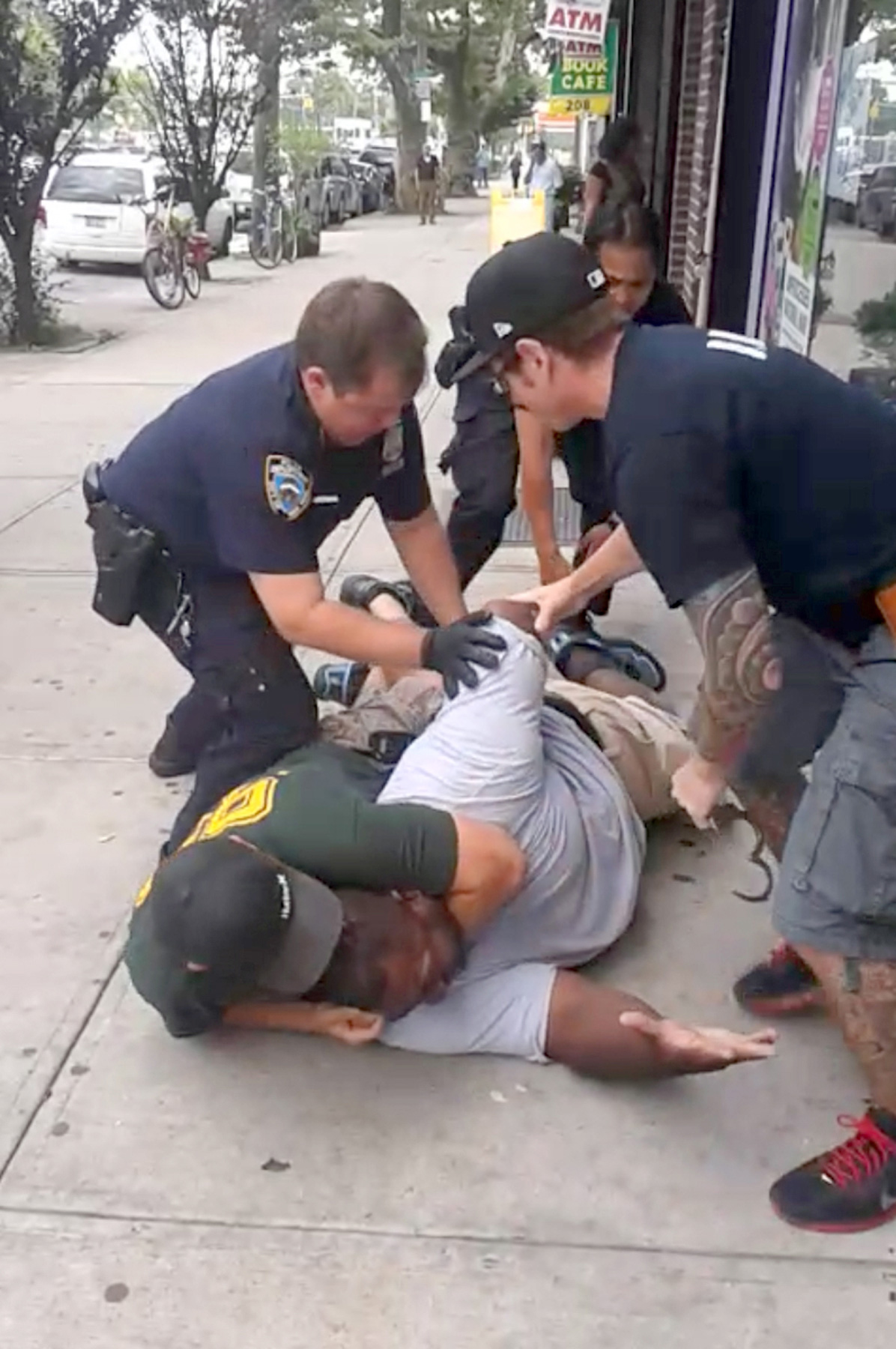 A 400 pound asthmatic Eric Garner died while being arrested by police in Staten Island. July 17, 2014.