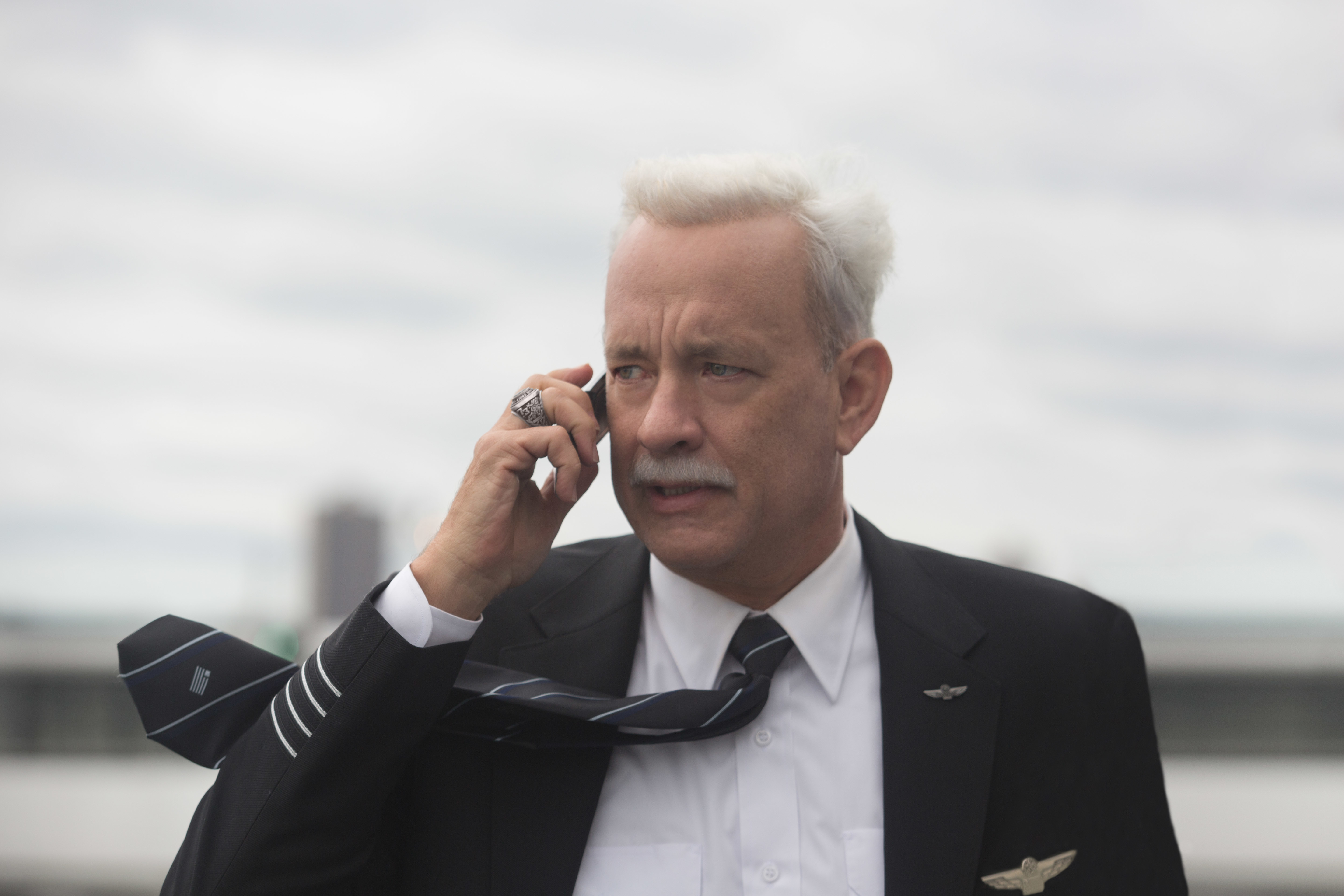 This image released by Warner Bros. Pictures shows Tom Hanks in a scene from the film,  Sully.  The movie opens in U.S. theaters Friday, Sept. 9, 2016. (Keith Bernstein/Warner Bros. Pictures via AP)