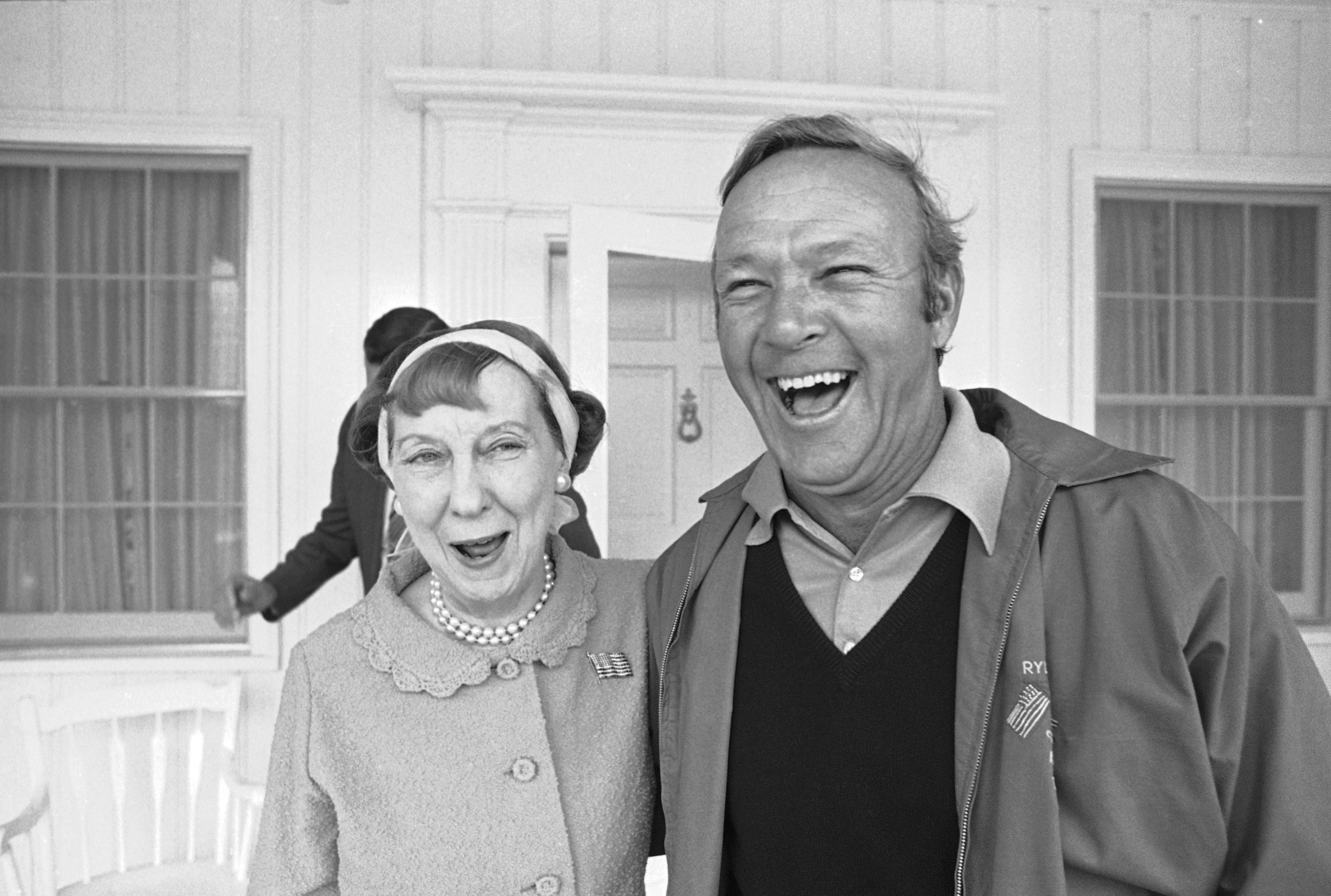 Arnold Palmer paid a visit to Mrs. Mamie Eisenhower just before practice at the Augusta National Golf Club on April 4, 1972 in Augusta.    Mrs. Eisenhower told Palmer to do his best and wished him luck.