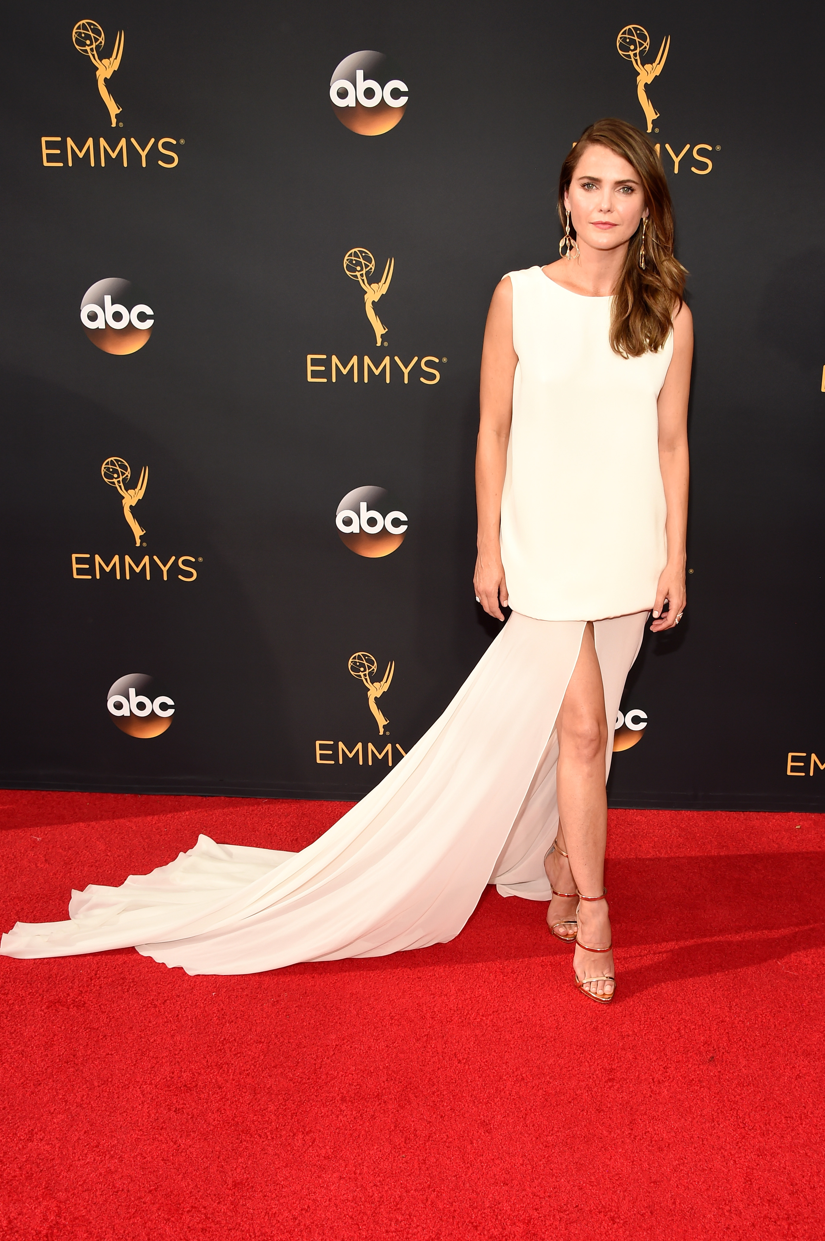 Kerri Russell arrives at the 68th Annual Primetime Emmy Awards at Microsoft Theater on Sept. 18, 2016 in Los Angeles.
